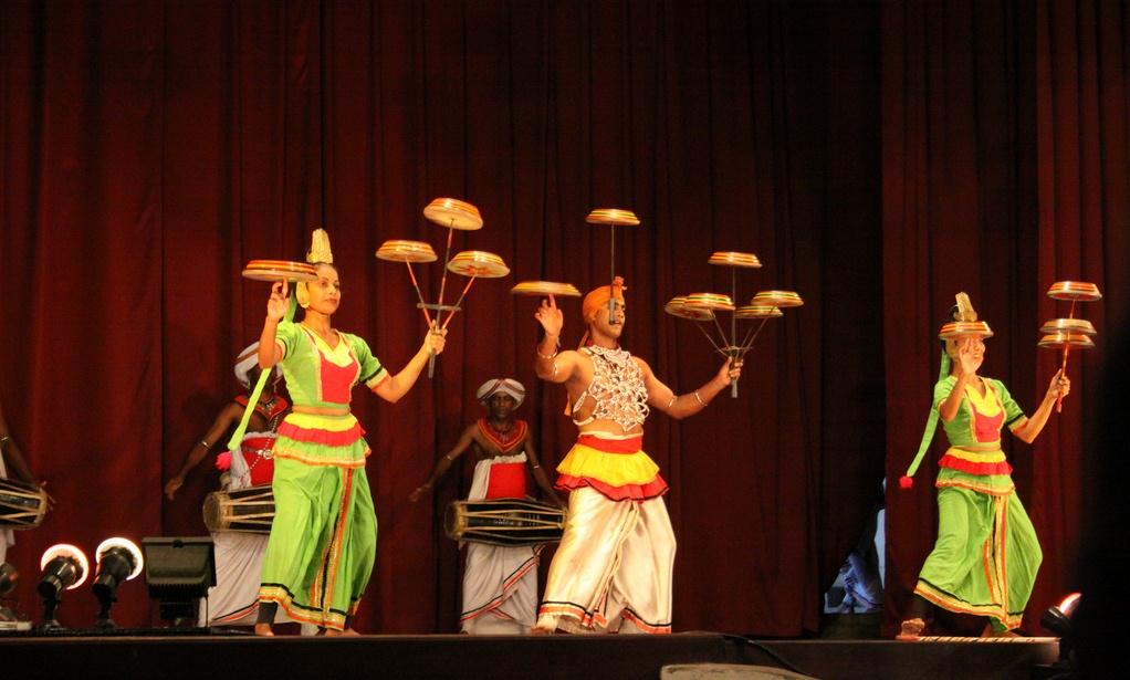 Sri Lanka Kandy Dance (2).JPG