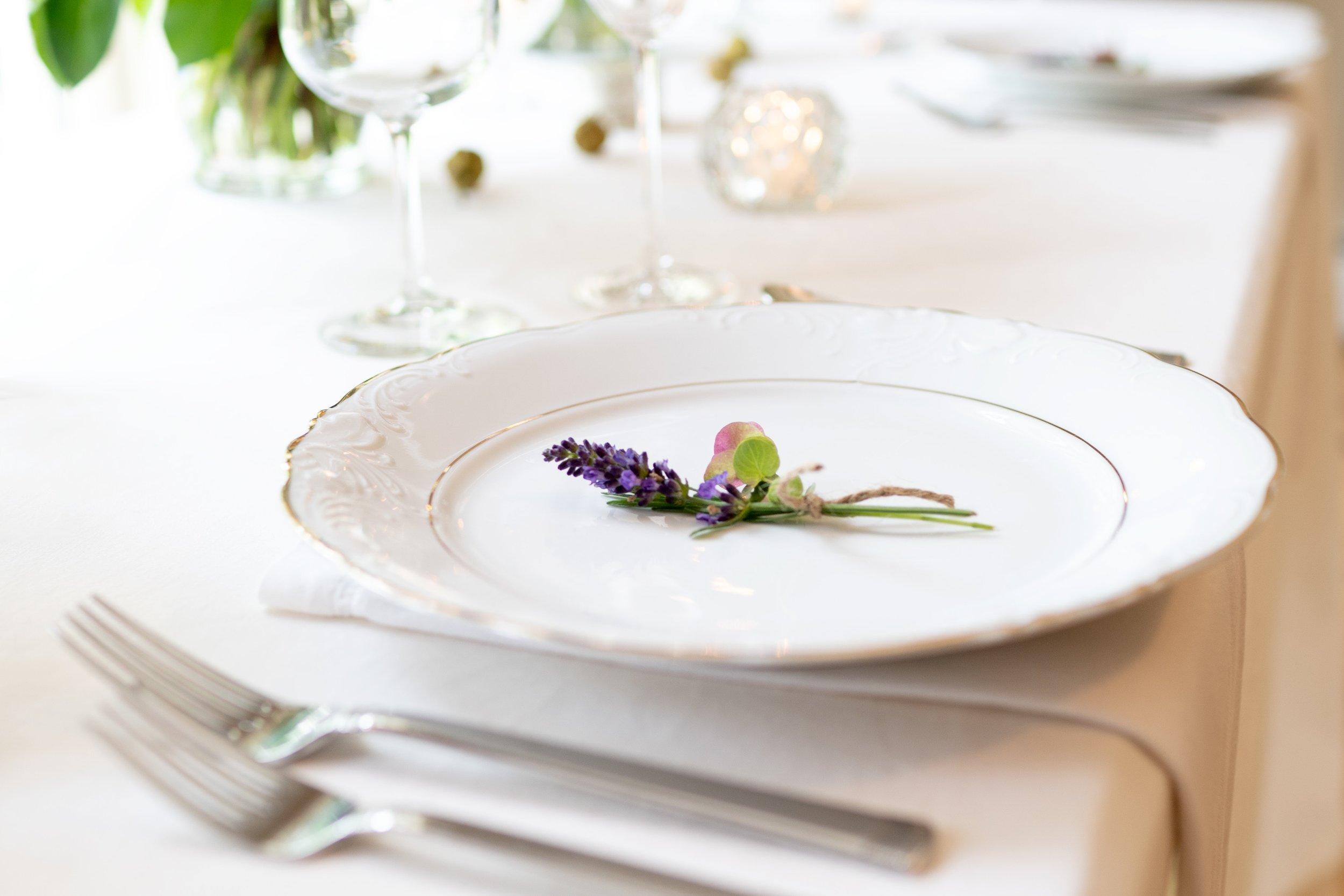 blur-close-up-cutlery-1428393.jpg