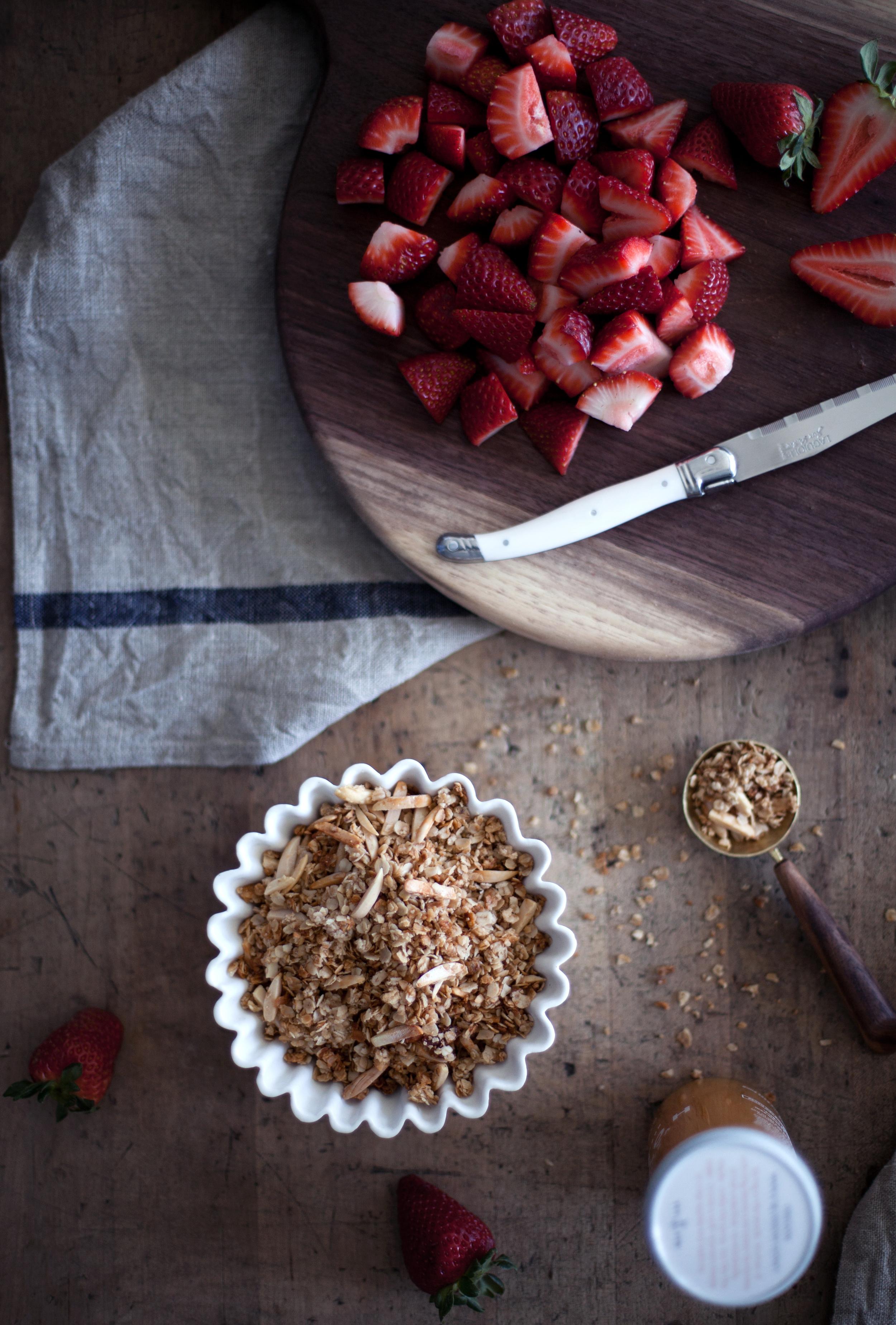 honey roasted strawberry parfait i.jpg