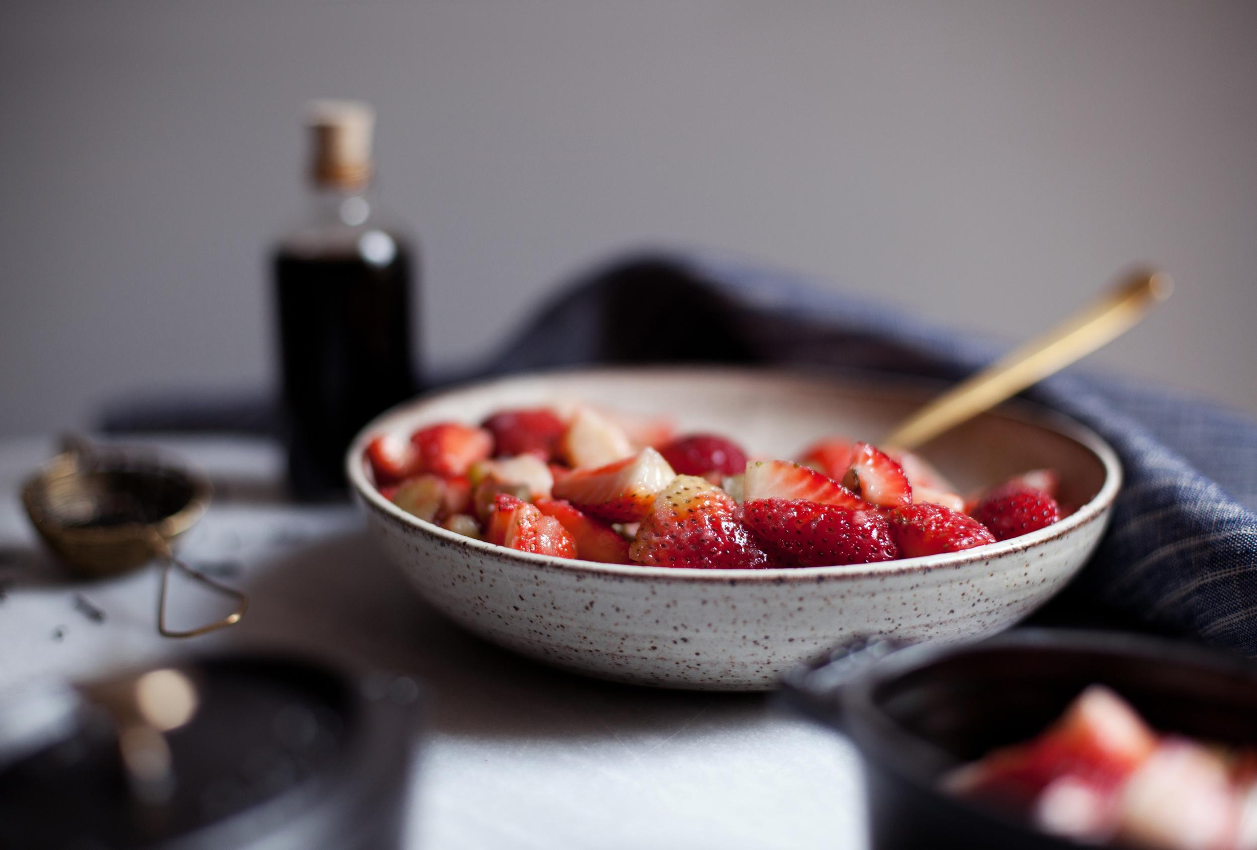strawberry rhubarb crisp iv.jpg