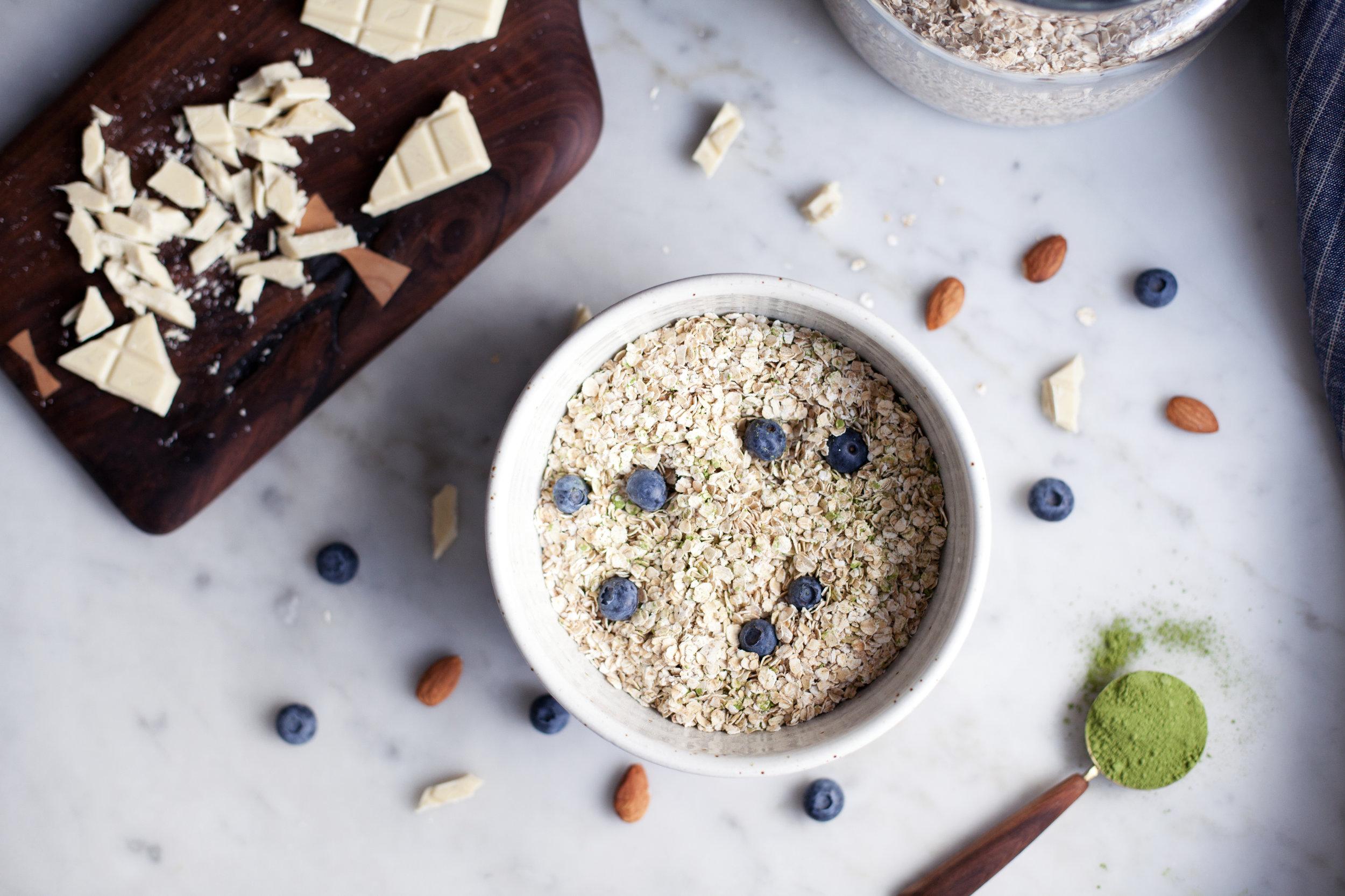 matcha & blueberry granola bars ii.jpg