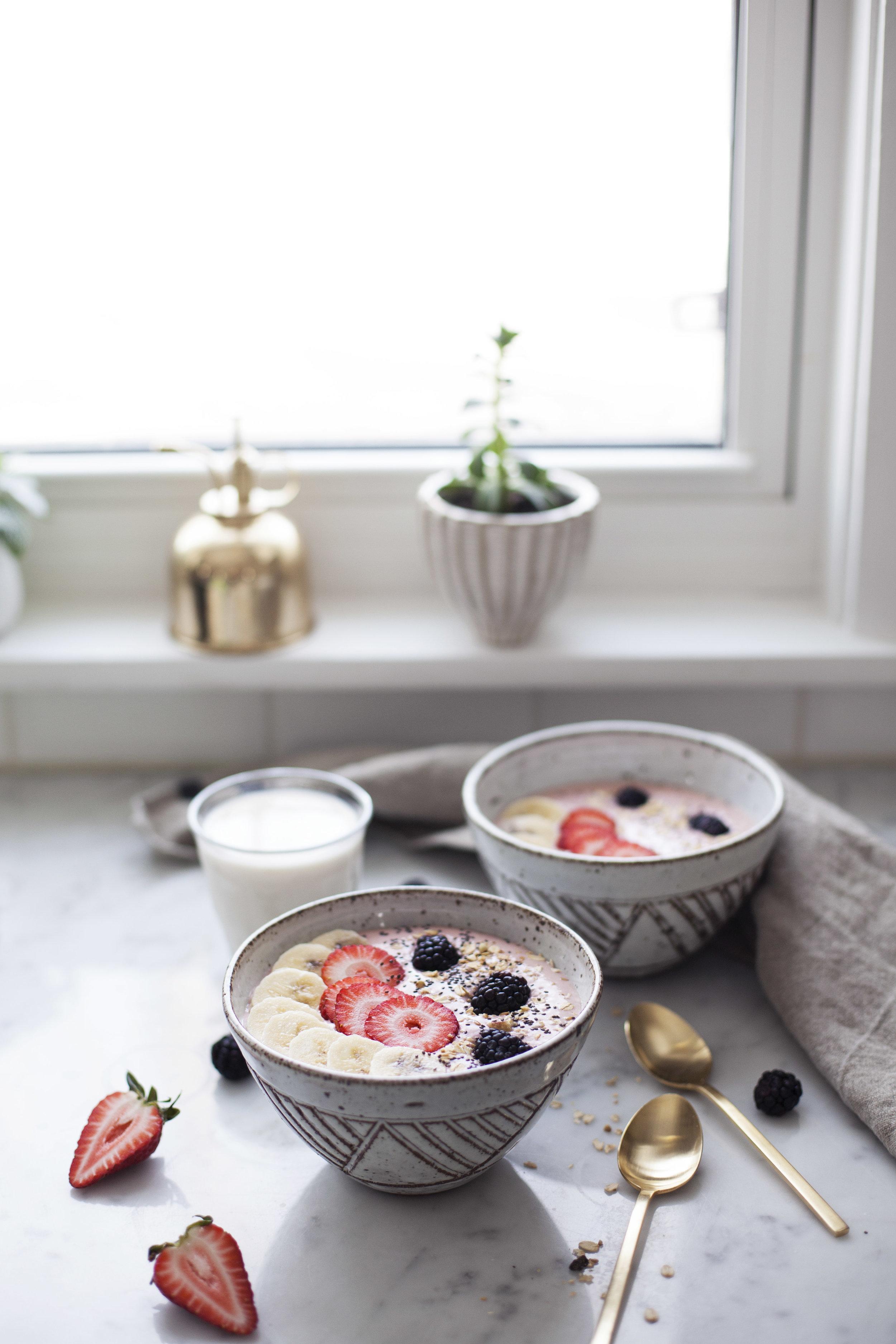 strawberry banana smoothie bowl xiii.jpg