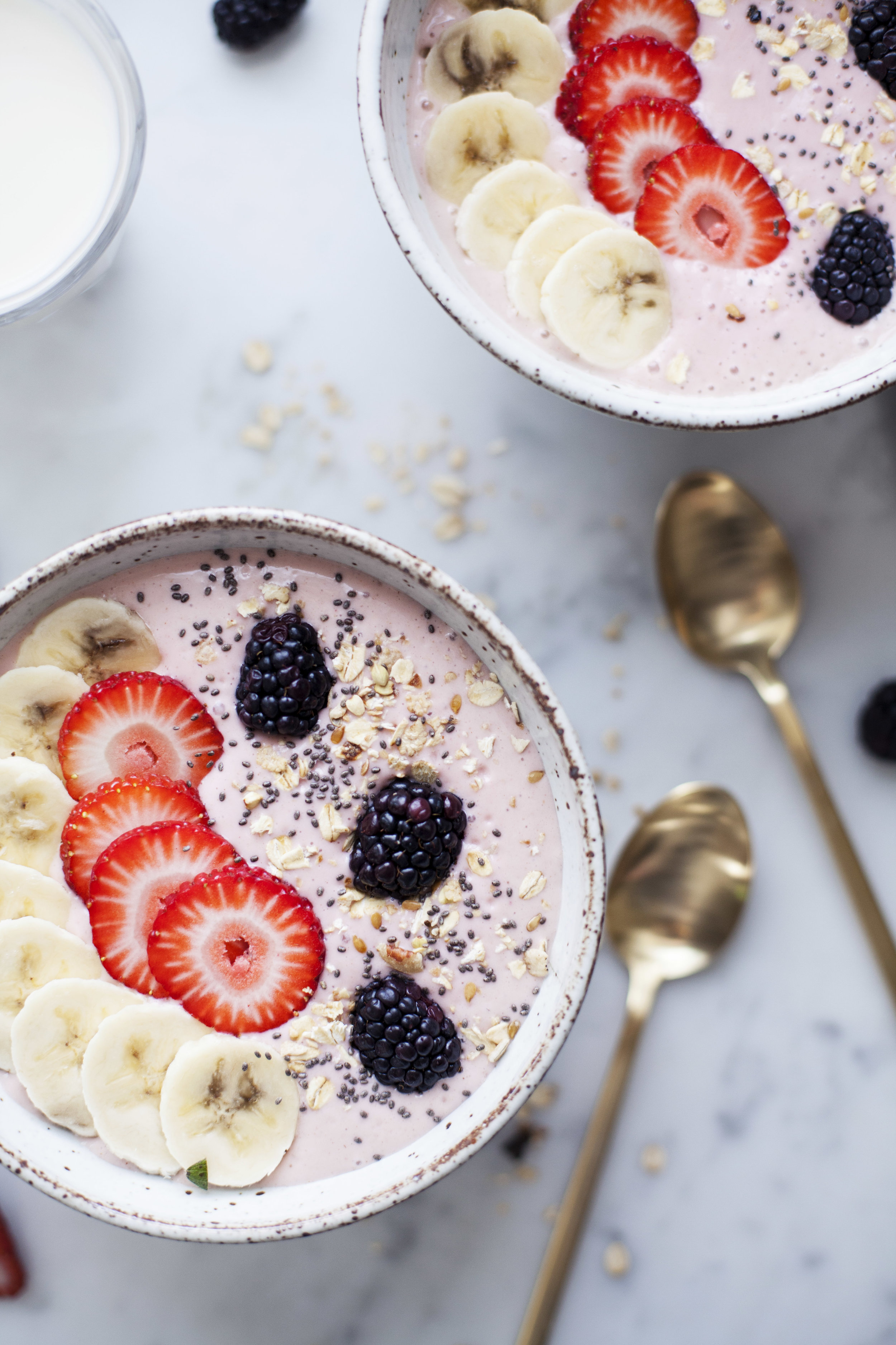strawberry banana smoothie bowl viiii.jpg