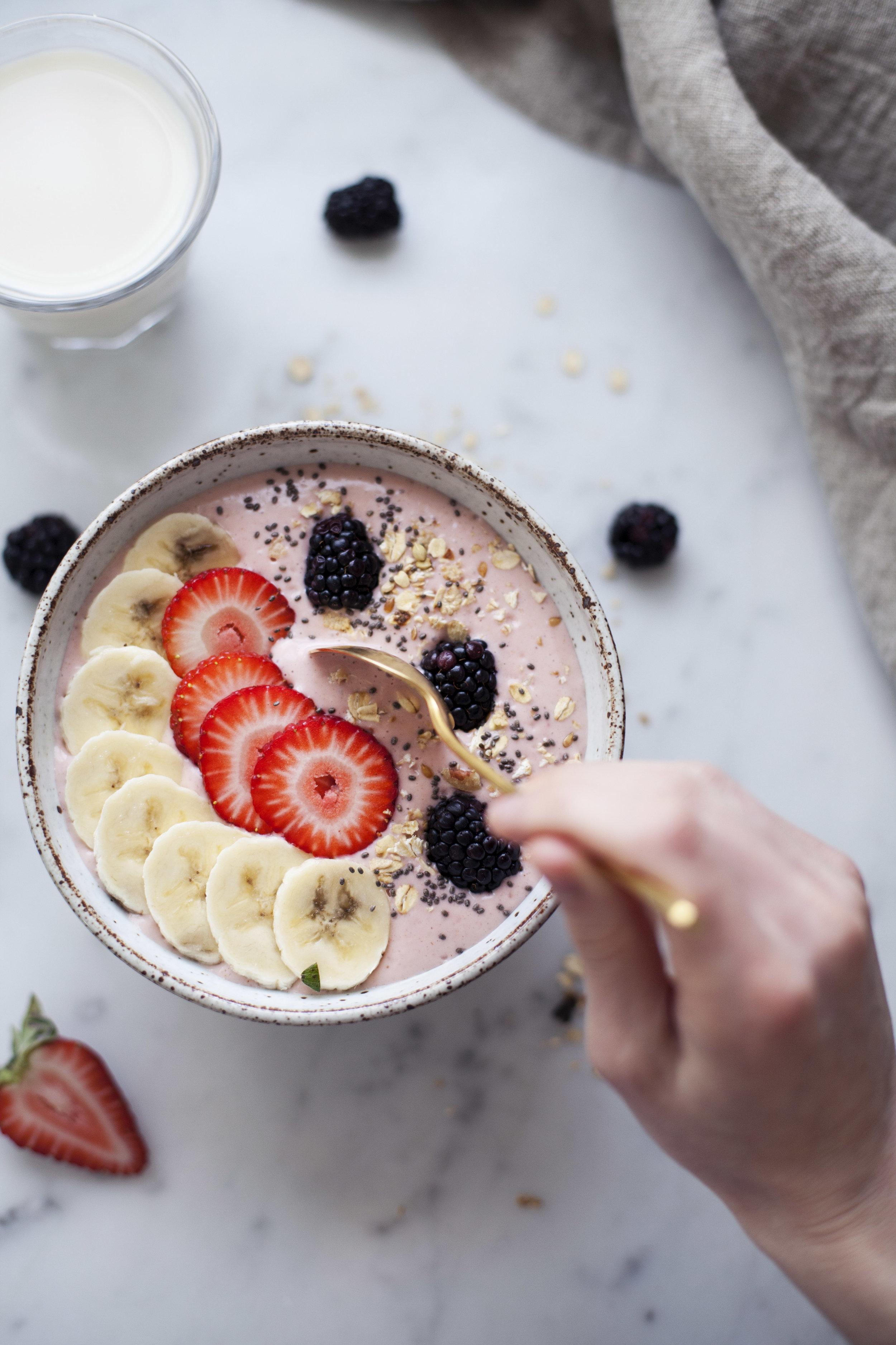 strawberry banana smoothie bowl xv.jpg