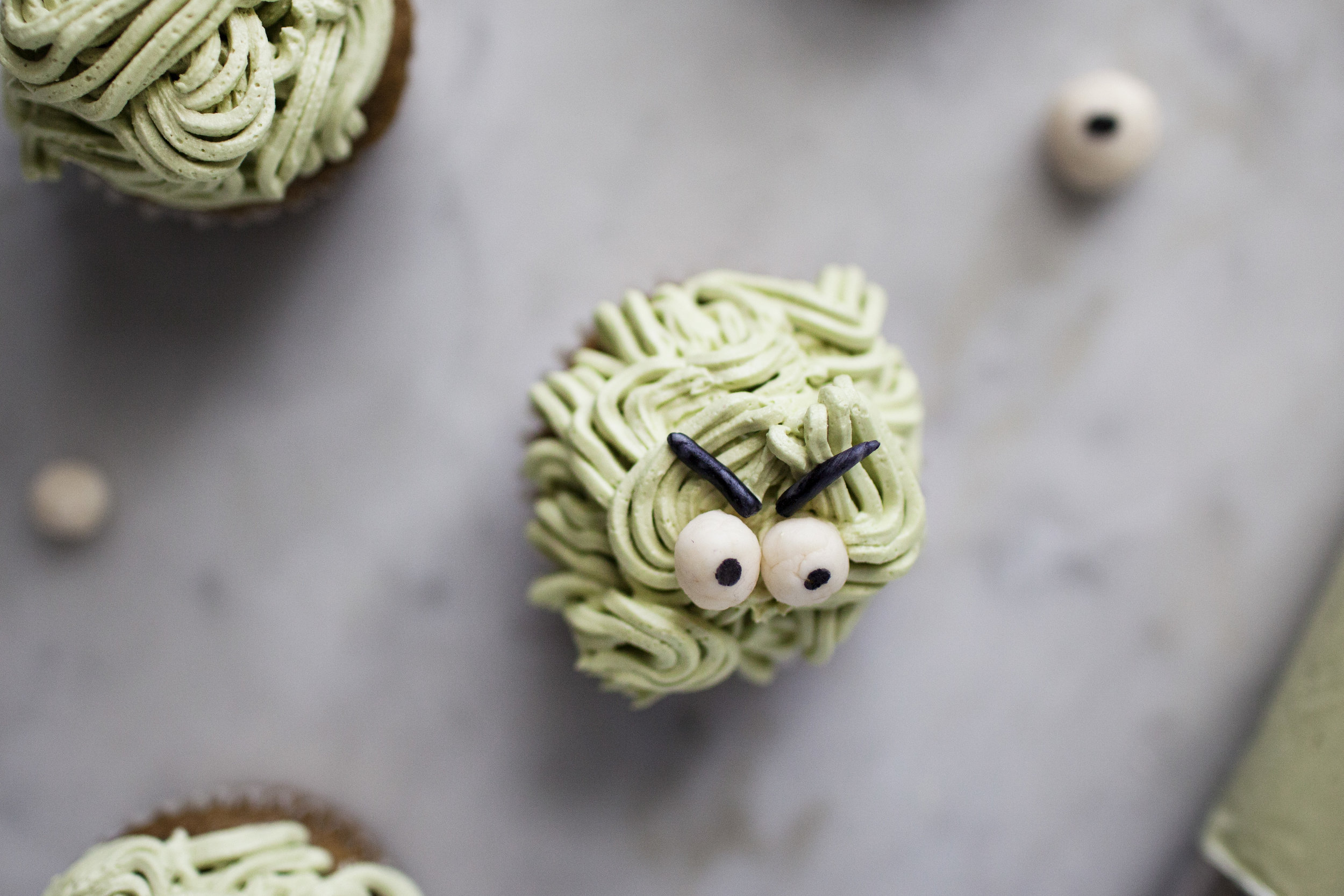 monster cupcakes v.jpg