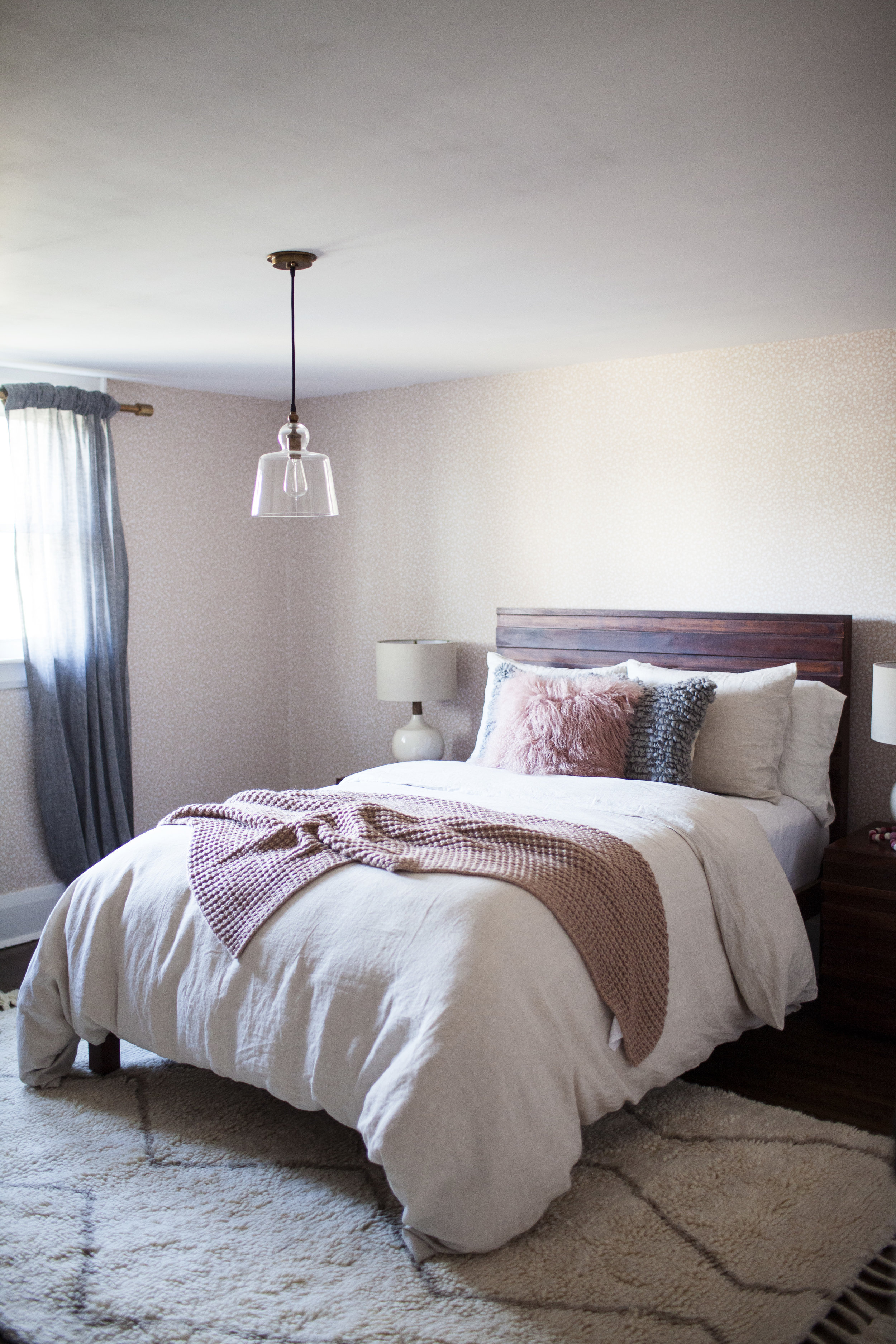 holiday guest room 1.jpg