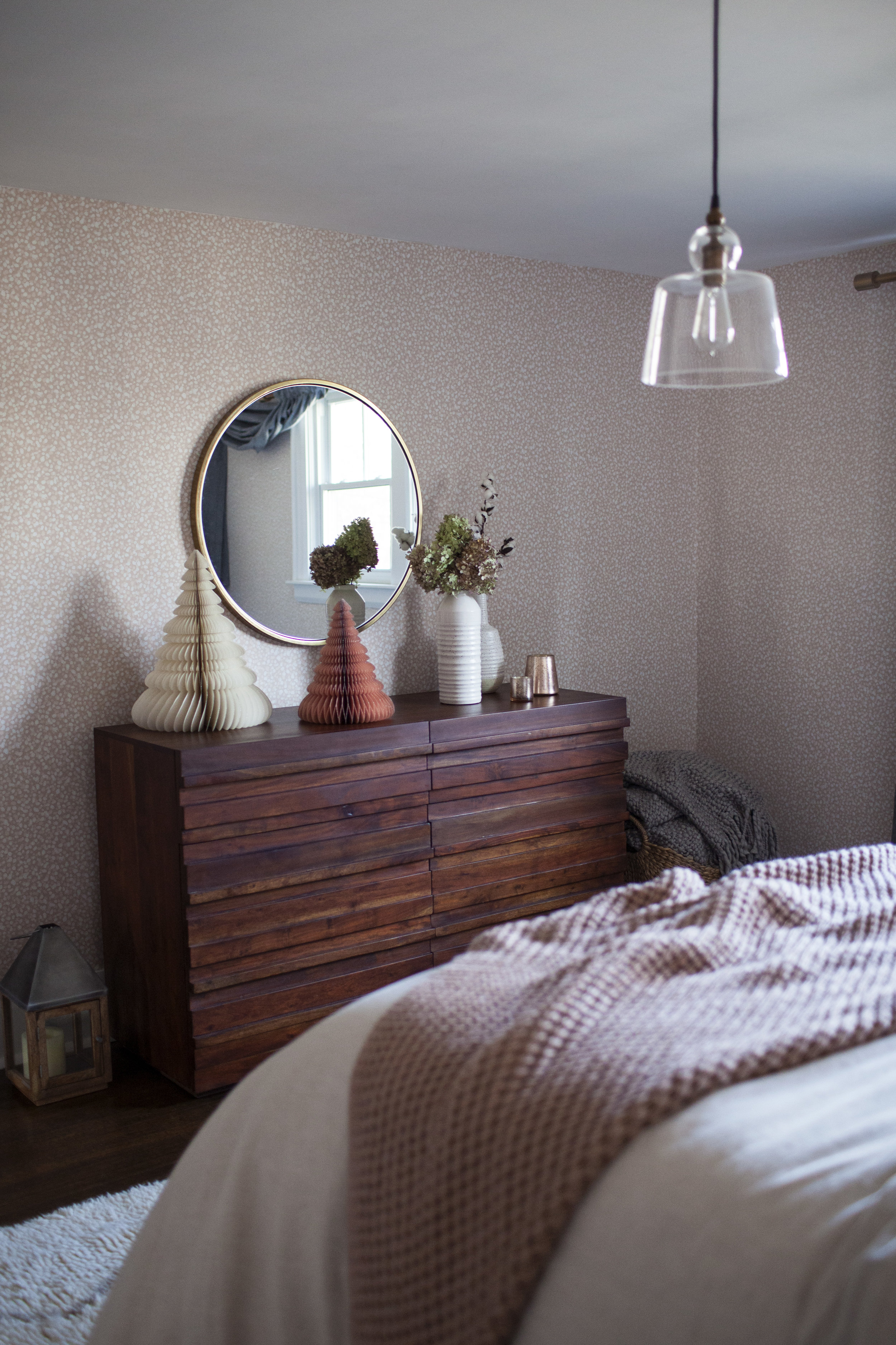 holiday guest room 7.jpg