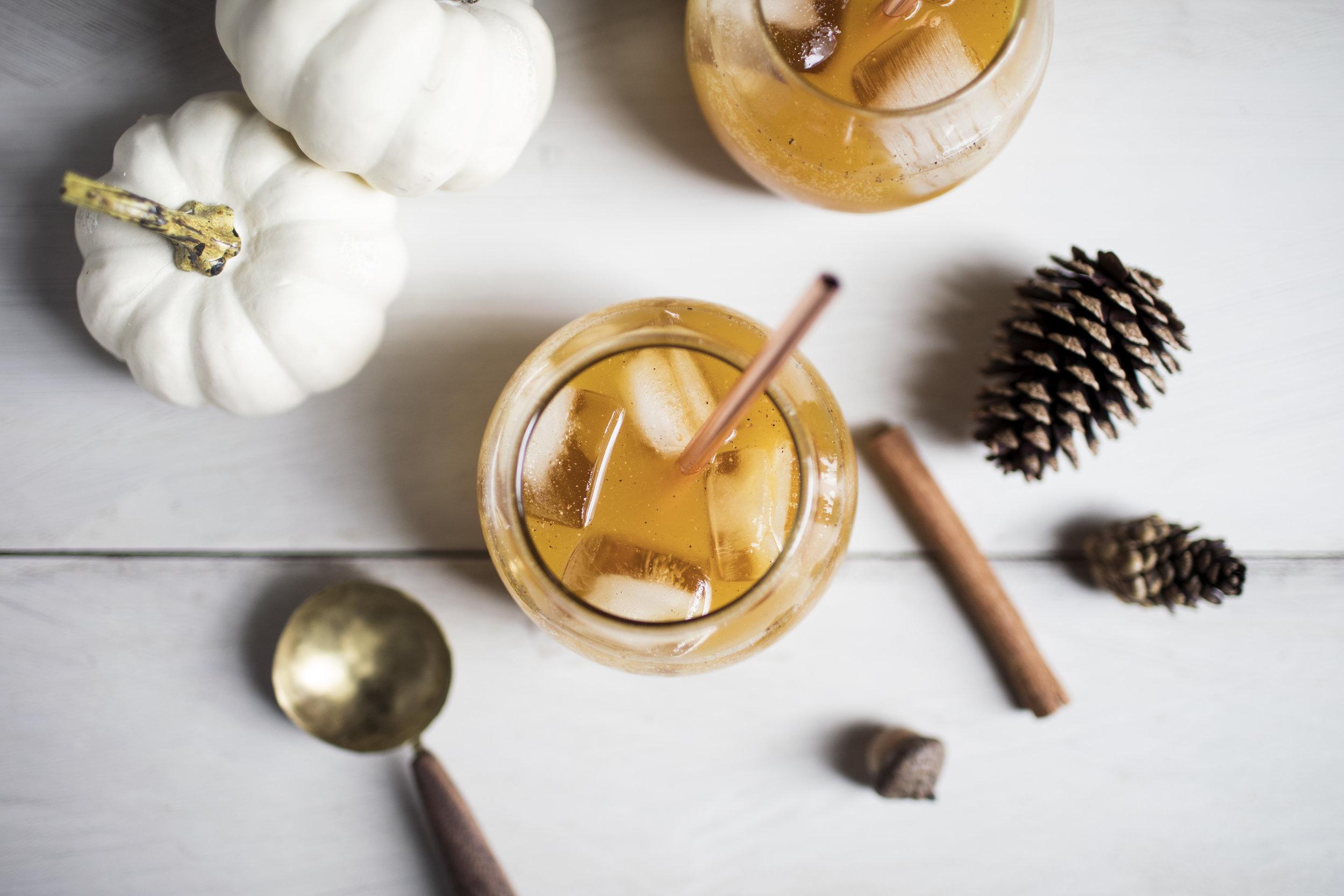 whiskey pumpkin pie cocktail i.jpg