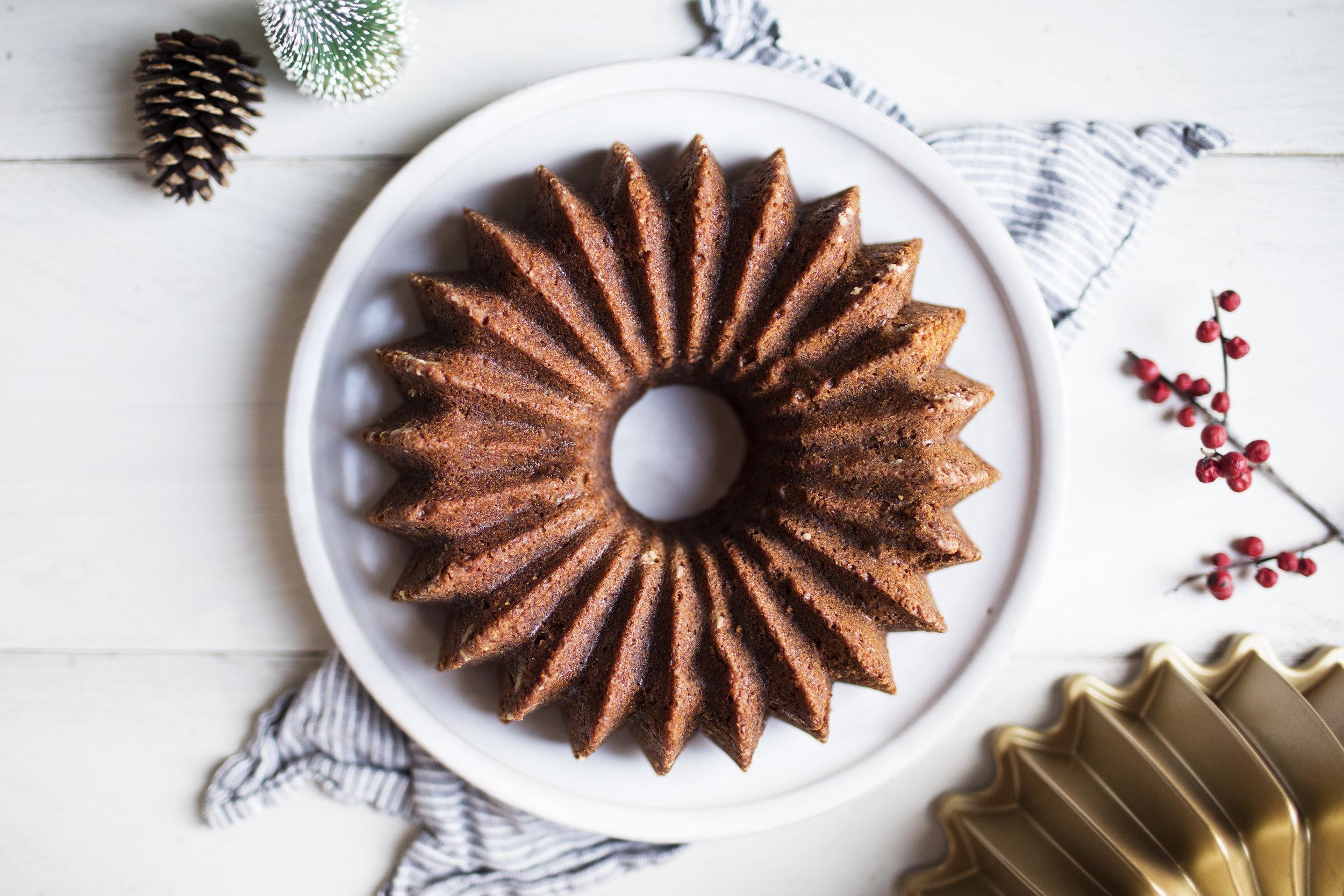 gingerbread bundt cake v.jpg