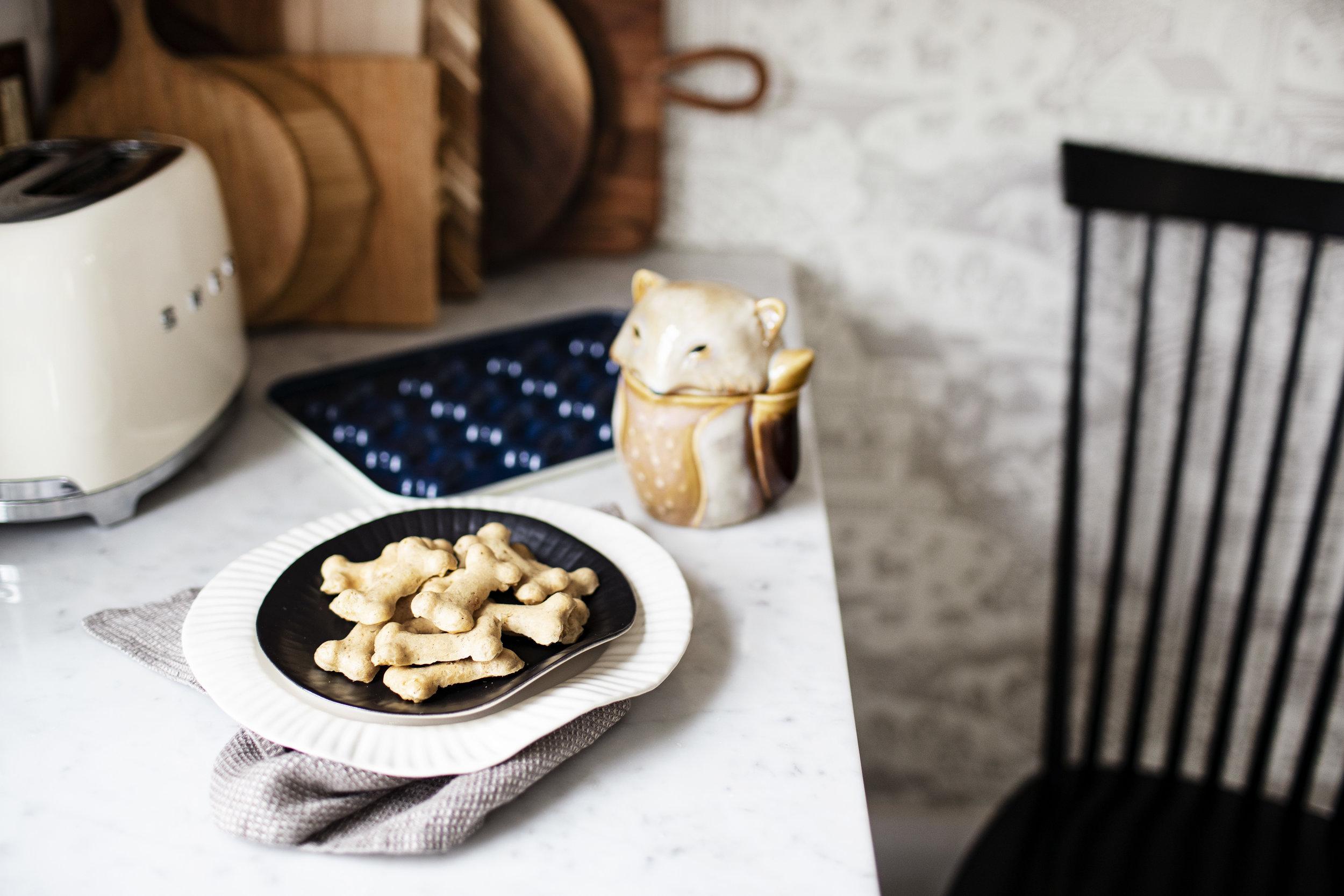 peanut butter banana dog treats vi.jpg