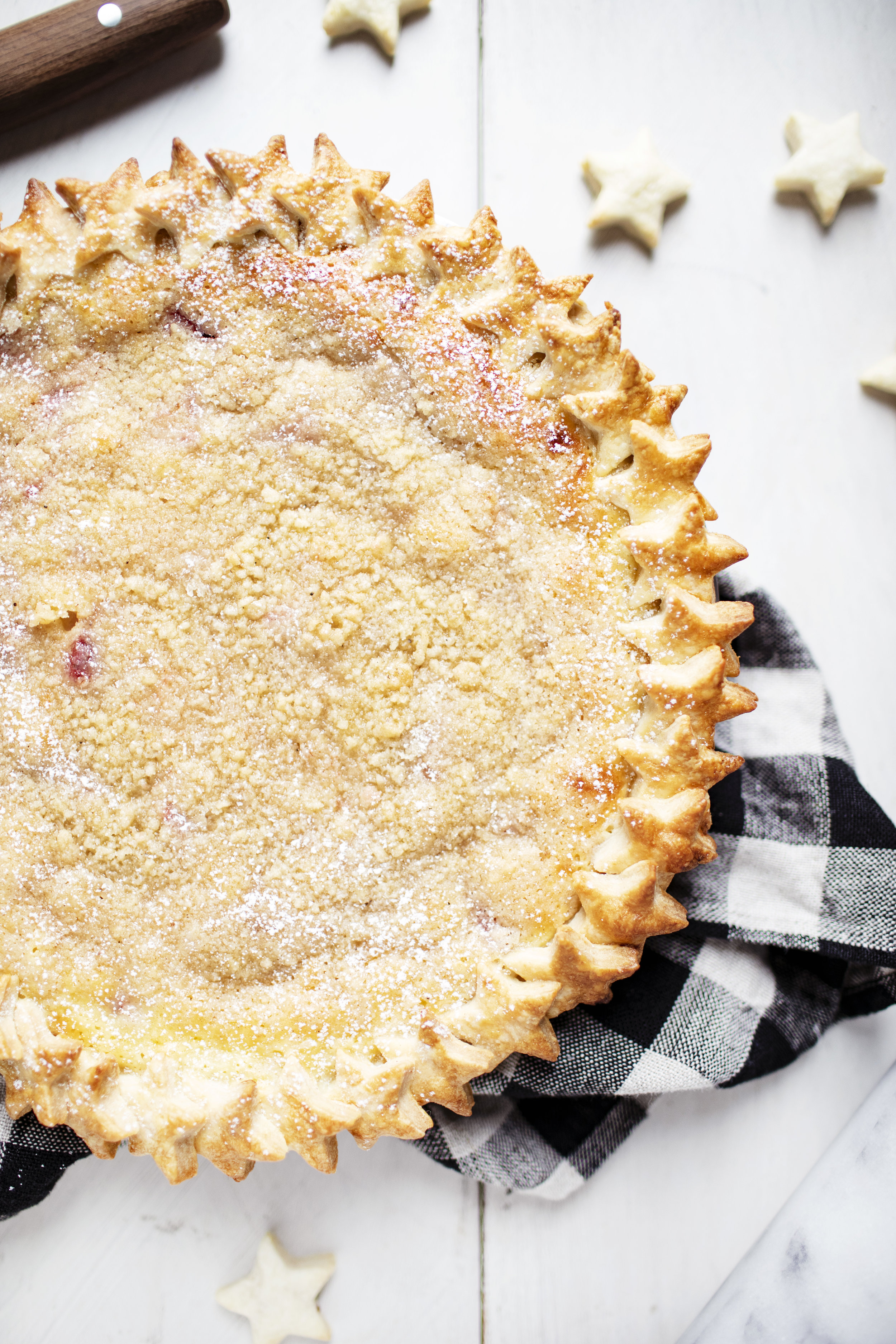 strawberry rhubarb sour cream pie viii.jpg