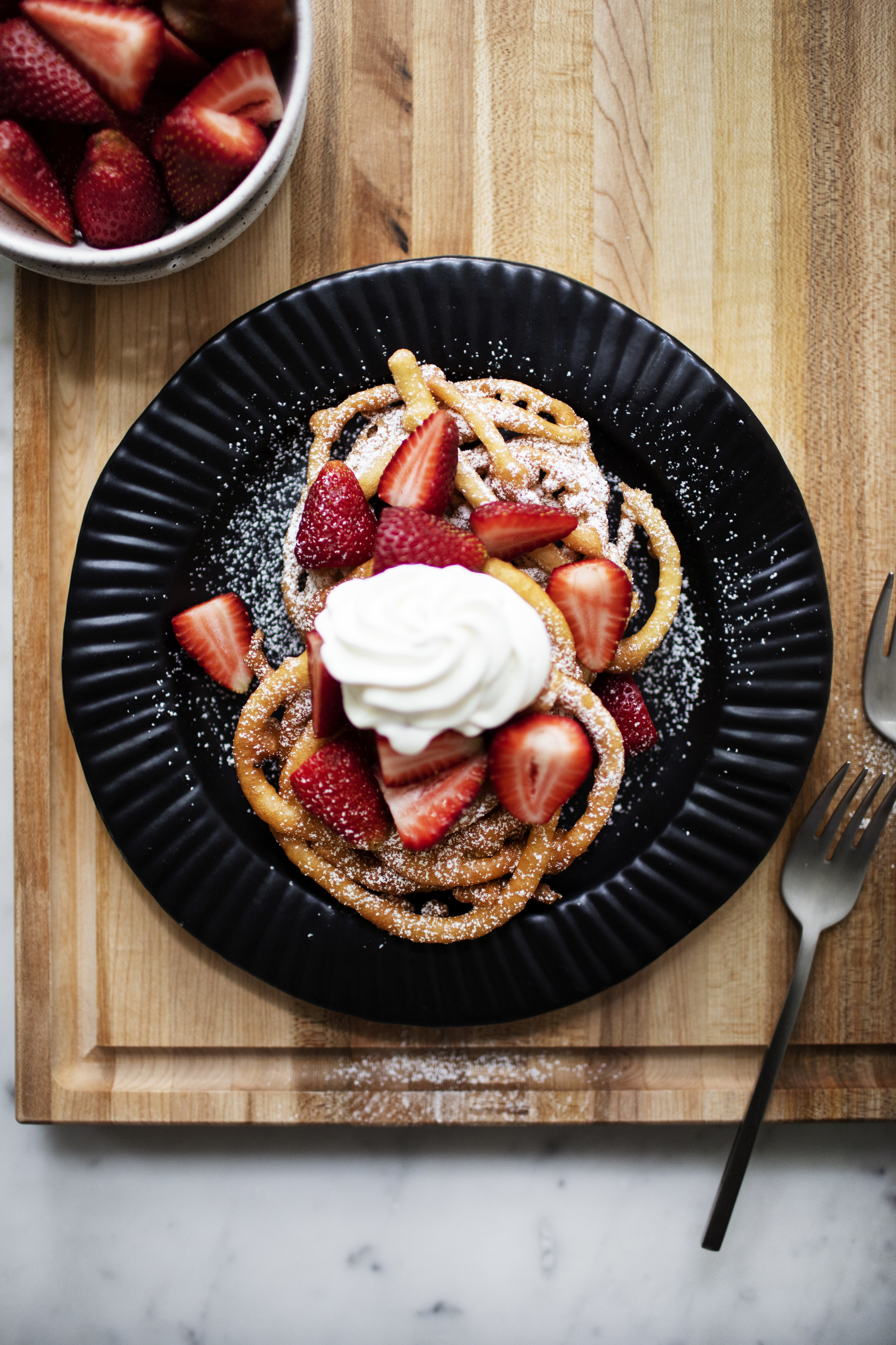 strawberry shortcake funnel cake i.jpg