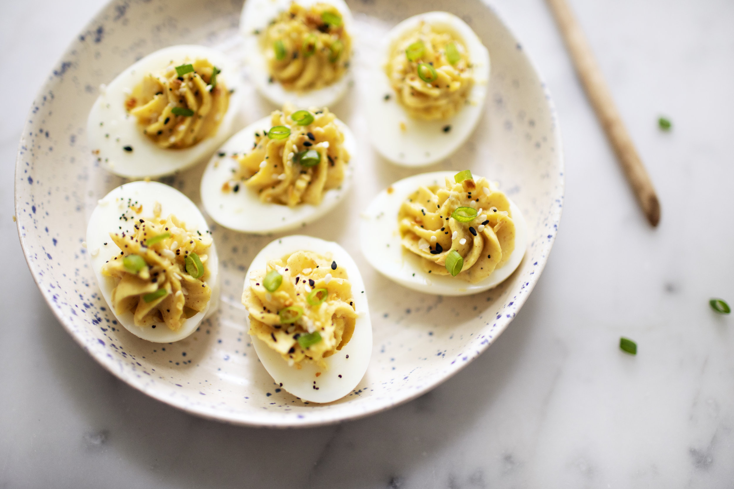 everything bagel deviled eggs viii.jpg