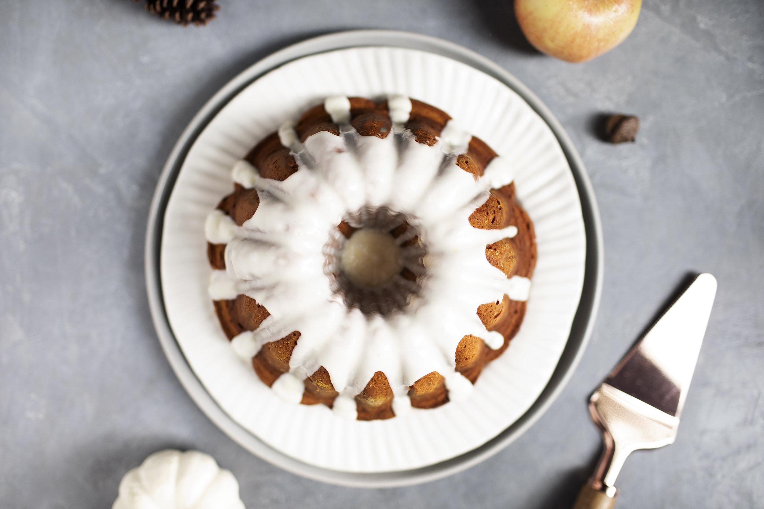 pumpkin cider bundt cake v.jpg