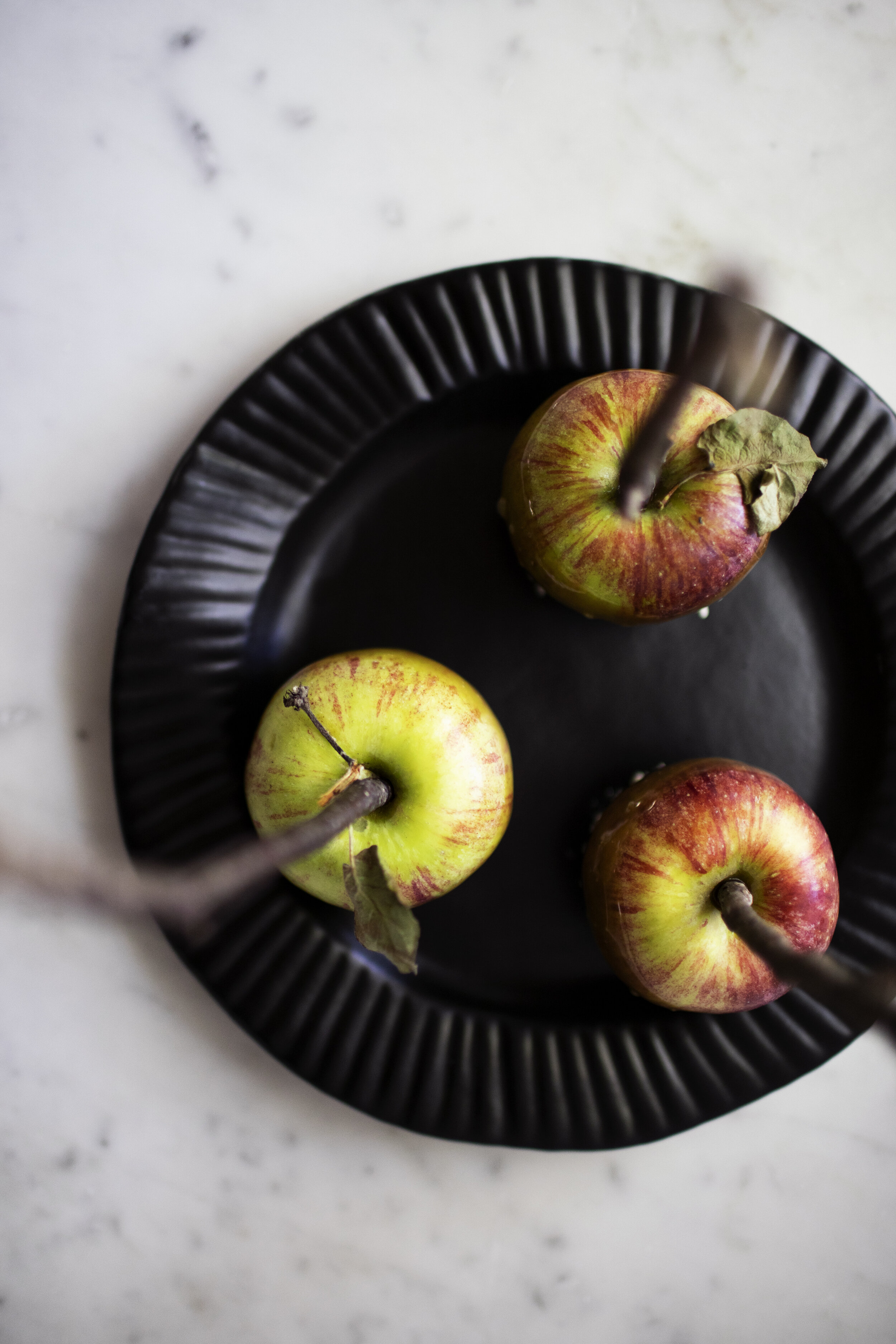 matcha caramel apples v.jpg