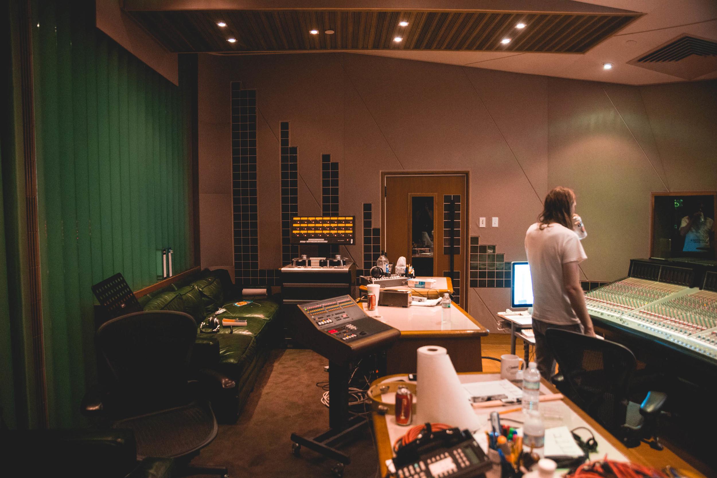 jawwsstudio-1.jpg