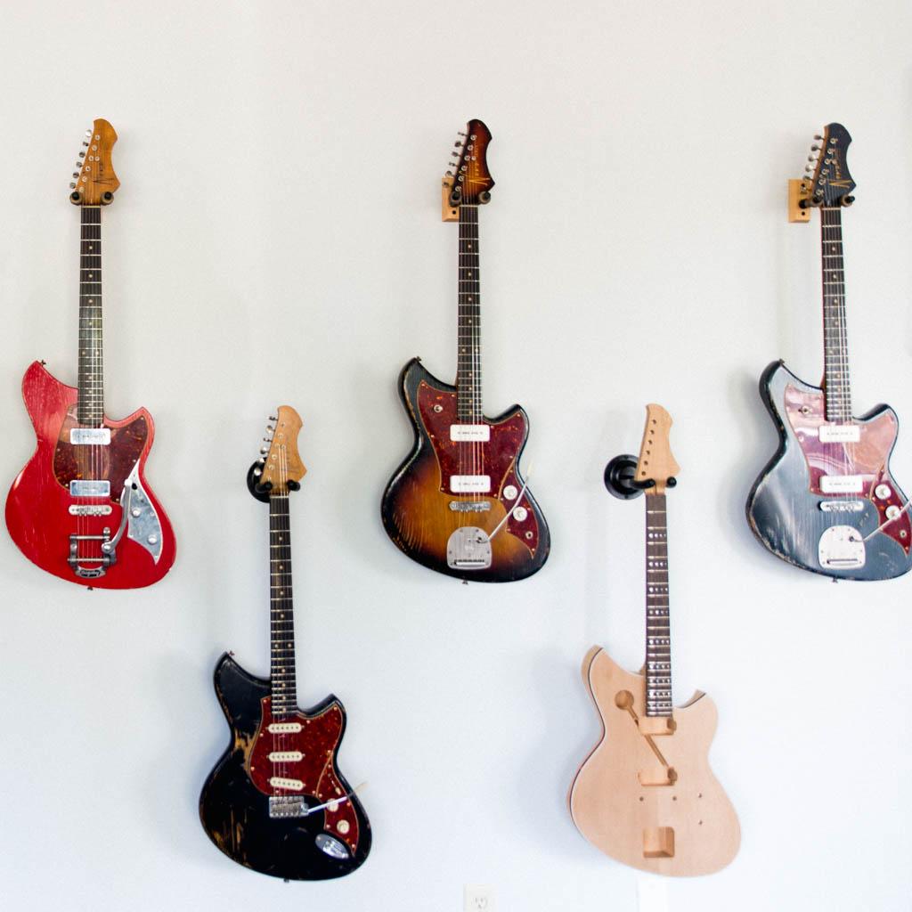 NOVO-guitars-4.jpg