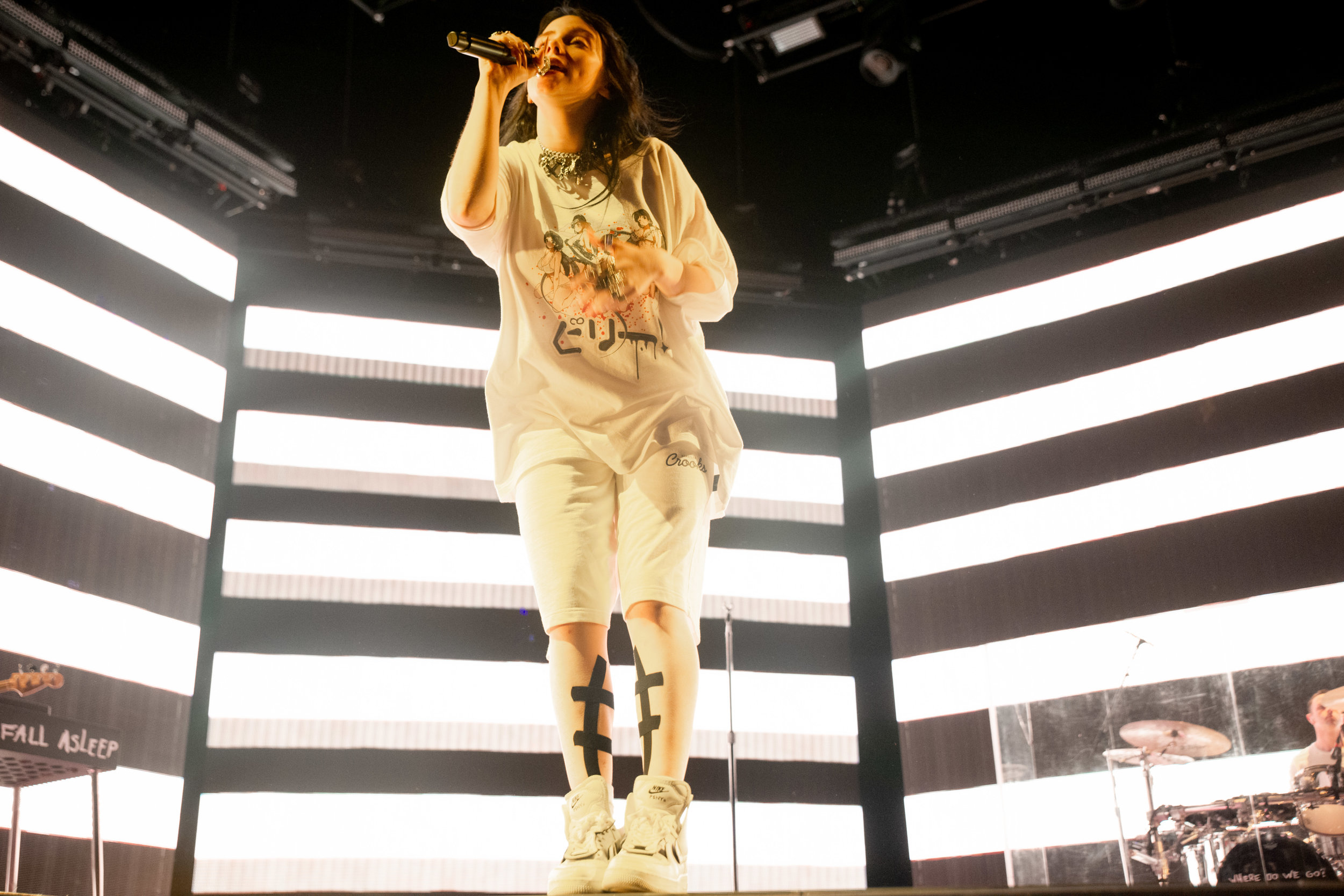 billie-eilish-equirk-13.jpg