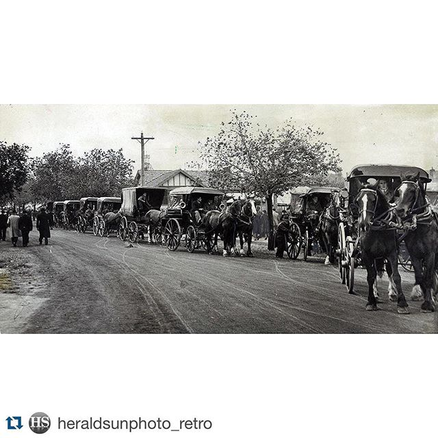 """#trainstrike of #yesteryear courtesy of #Repost @heraldsunphoto_retro ・・・ 1946. Transport strike. Cabs by the dozen were lined up outside Moonee Valley to take racegoers home. Business was brisk at """"four bob a head"""" for the trip in the city. #hsinstagram #trainstrike #transport #melbourne #throwback #instadaily"""