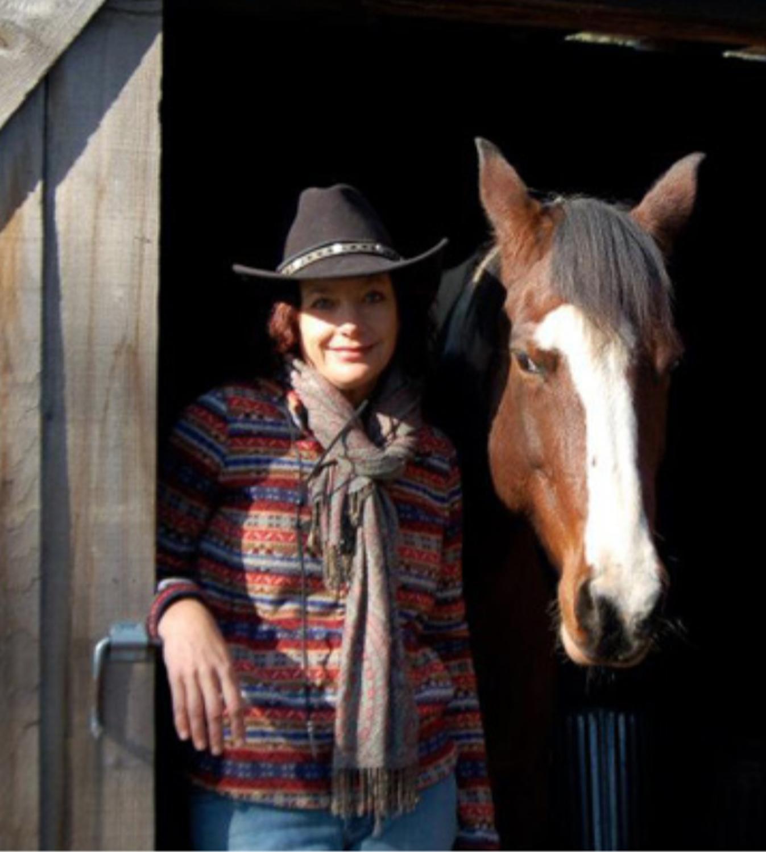 Kiki August Barn Door.png