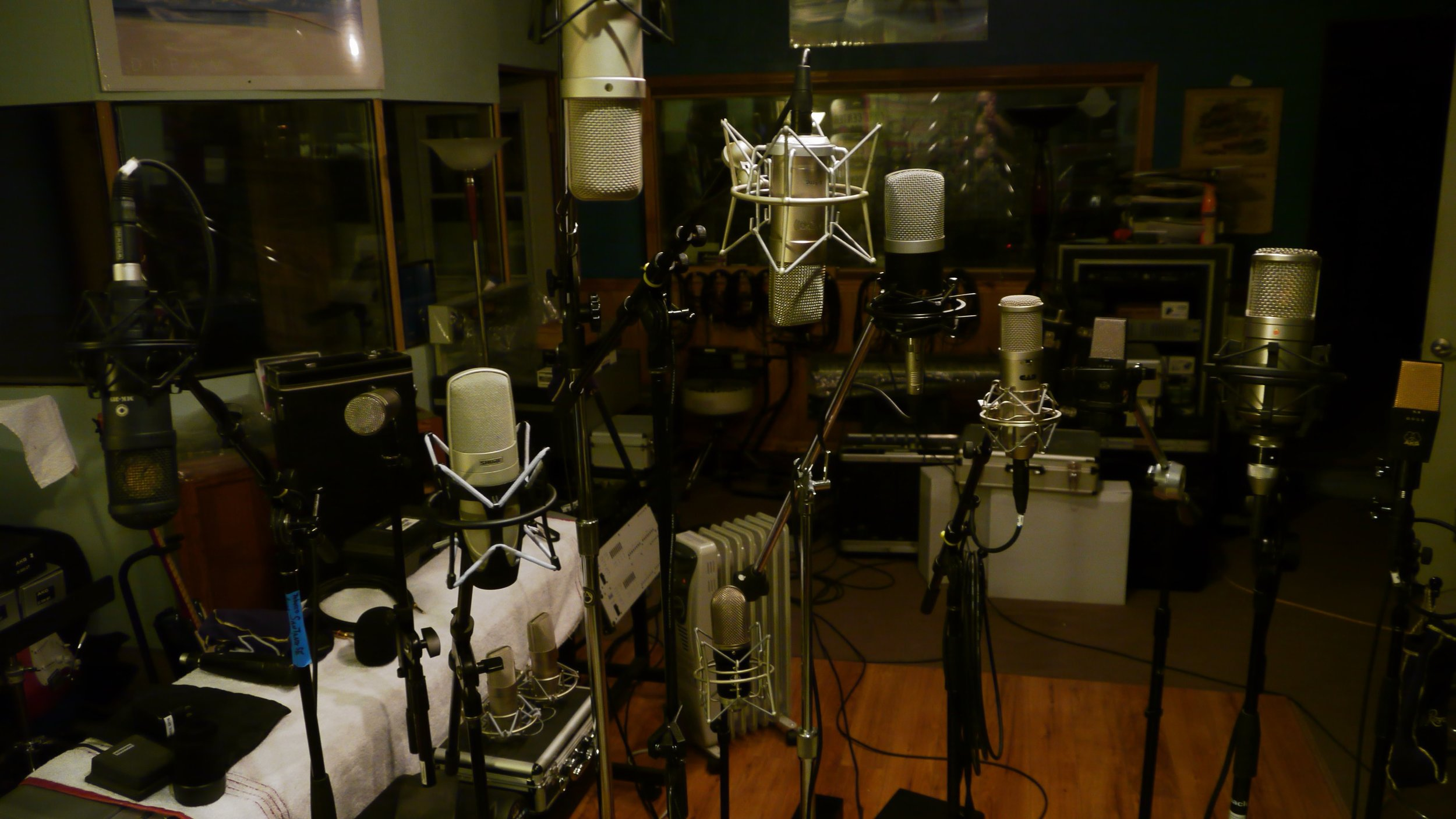 100 Pristine Microphones to put to work!