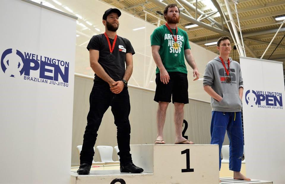 Steve Looker receiving his gold medal