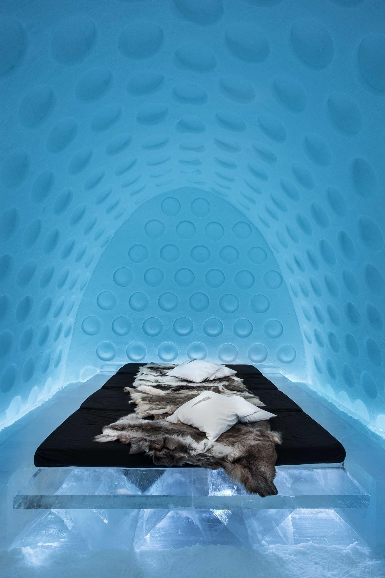 Under the Arctic Skin- Rob Harding och Timsam Harding--,By - Asaf Kliger (1 of 1)hr.jpg