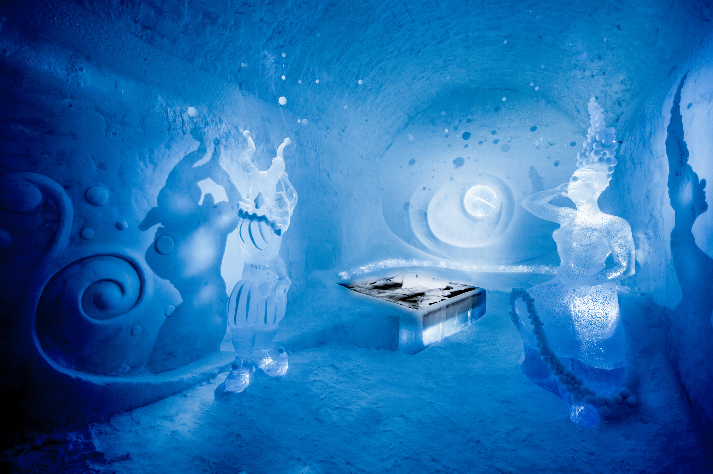 Art suite- Dancers in the dark, artists- Tjåsa Gusfors & Patric Dallard, ICEHOTEL 365. Photo by - Asaf Kliger- (1 of 2) (1 of 2).jpg
