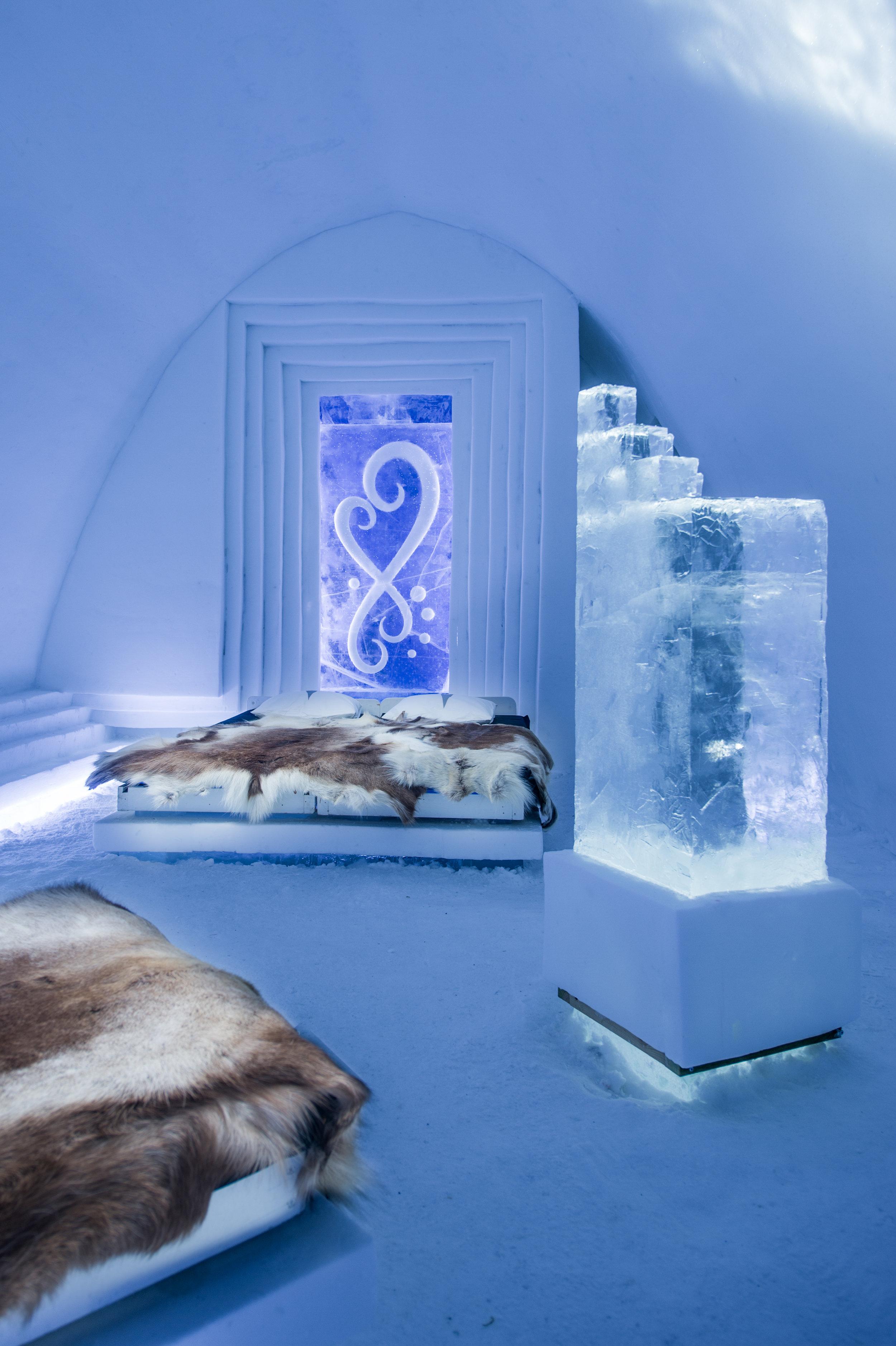 INFINITLOVE-João Mota & Volker Schnüttgen-- icehotel 27 - by Asaf Kliger (1 of 1).jpg
