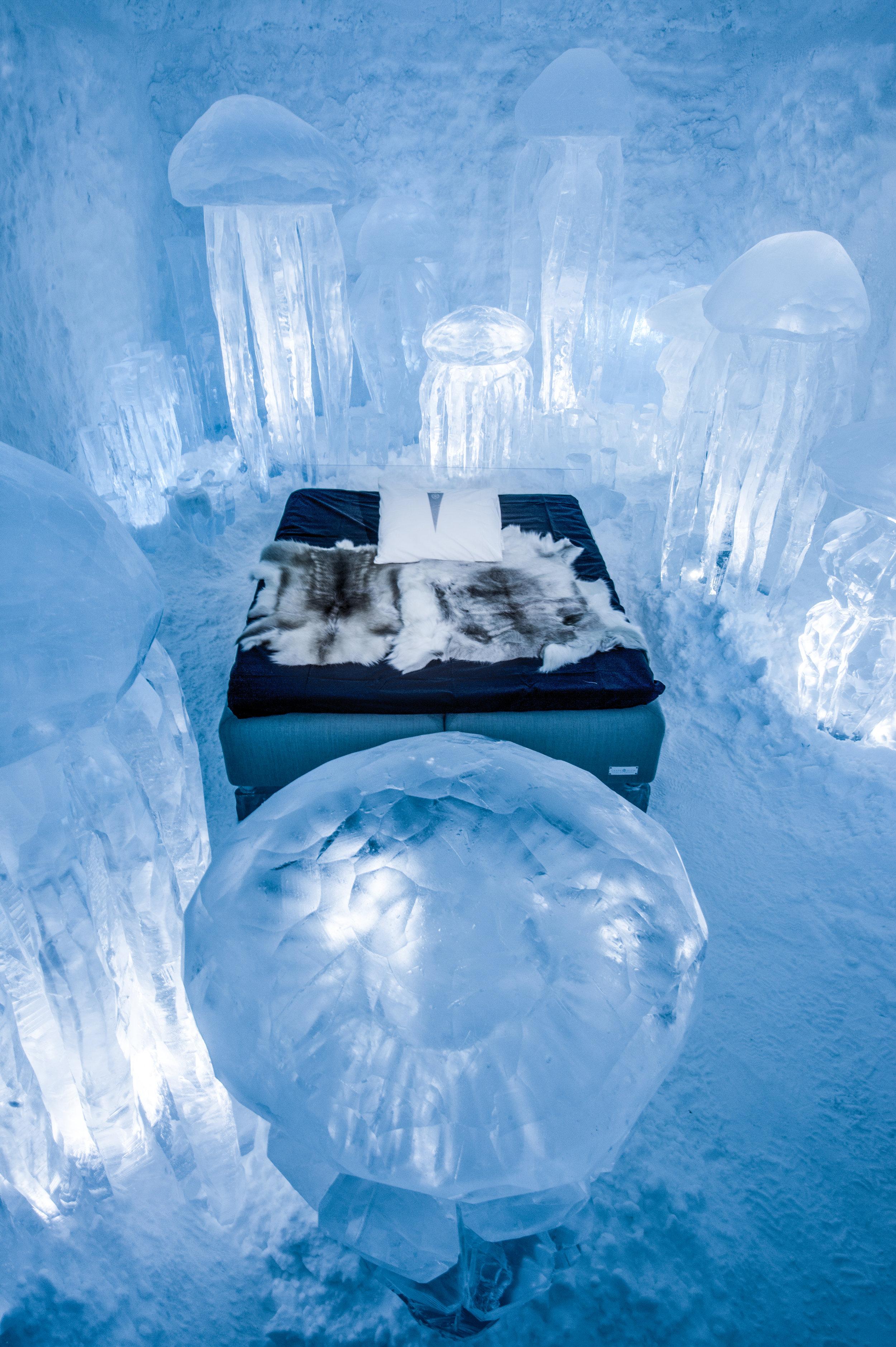 Julia Gamborg Nielsen & Lotta Lampa, Hydro Smack---ICEHOTEL 365 photo by - Asaf Kliger (3 of 4) (1 of 1).jpg