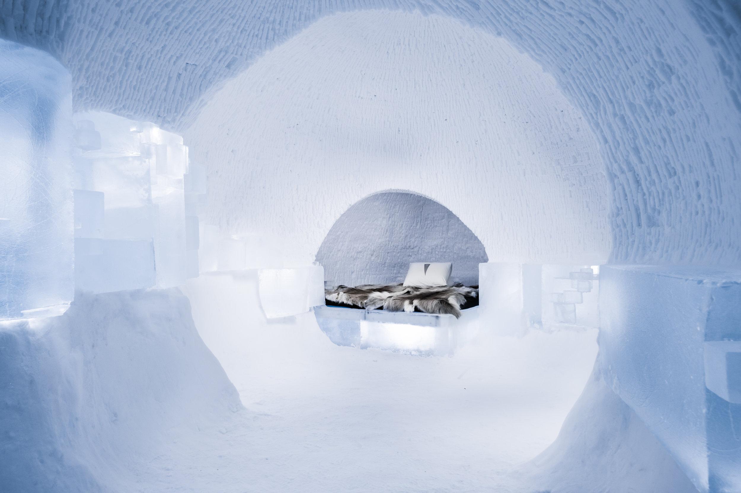 Art suite - A Rich Seam-Howard Miller & Hugh Miller- ICEHOTEL 28  Photo by - Asaf Kliger.jpg