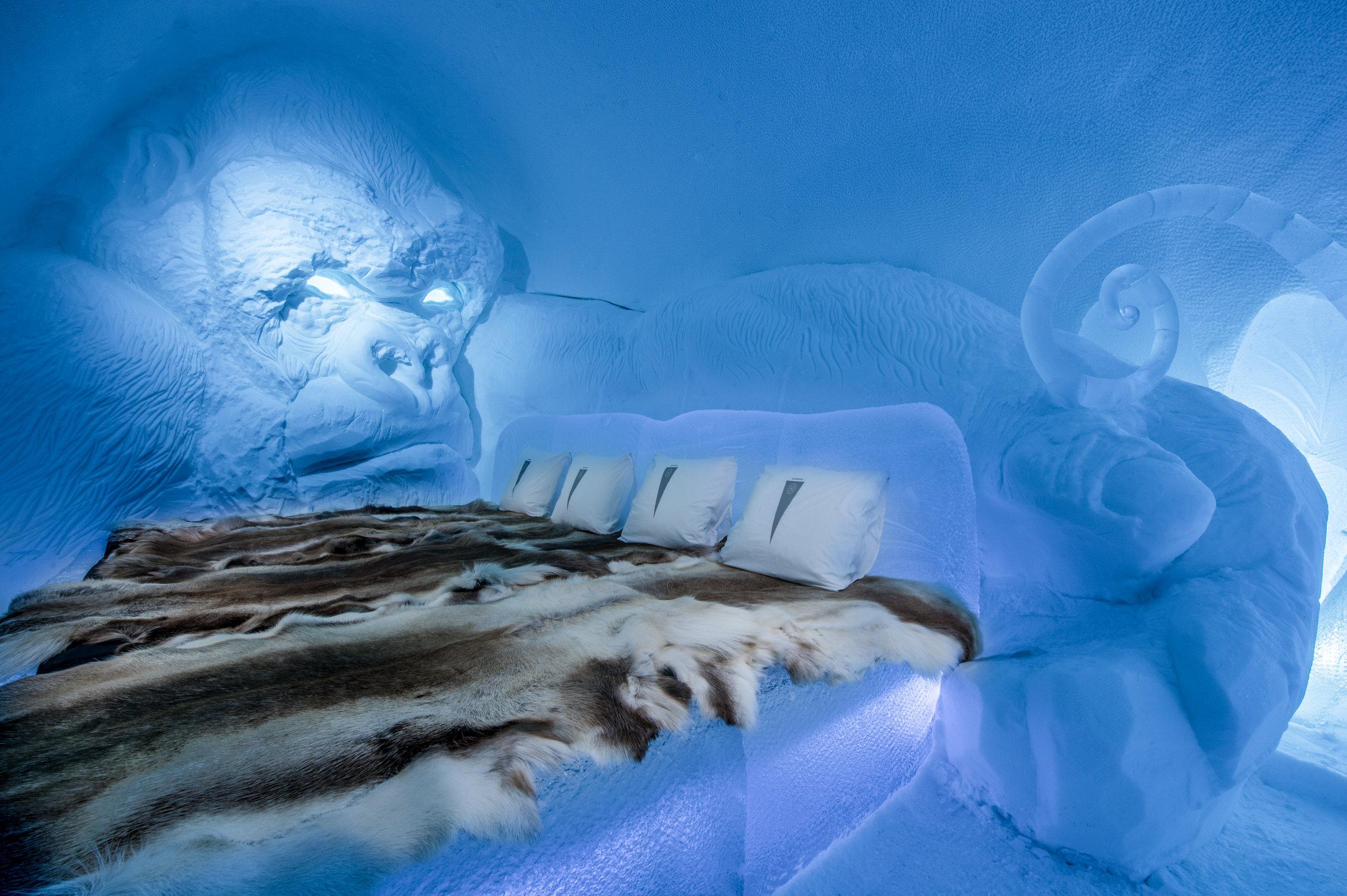 Art suite - King Kong-Lkhagvadorj Dorjsuren- ICEHOTEL 28  Photo by - Asaf Kliger .jpg