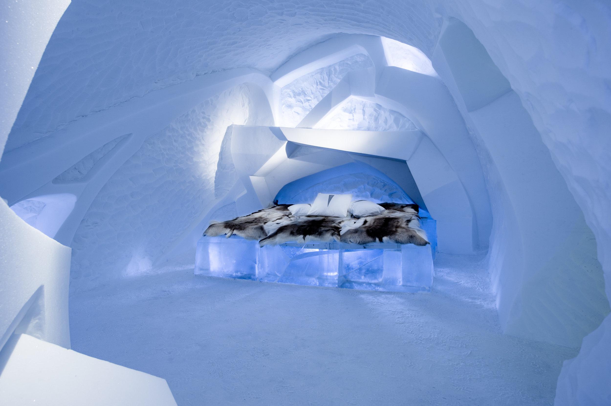 Art suite - Livoq-Fabien Champeval & Friederike Schroth-- ICEHOTEL 28  Photo by - Asaf Kliger.jpg