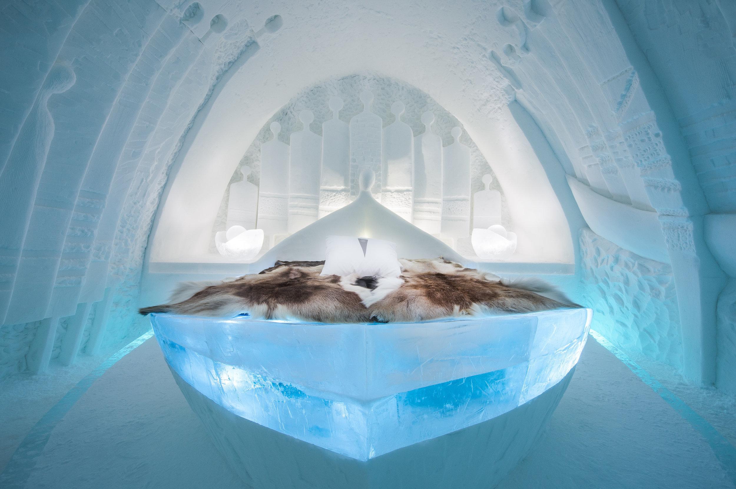 Art suite -Daily Travellers-Alem Teklu & Anne Karin Krogeveoll-, ICEHOTEL 28  Photo by - Asaf Kliger.jpg