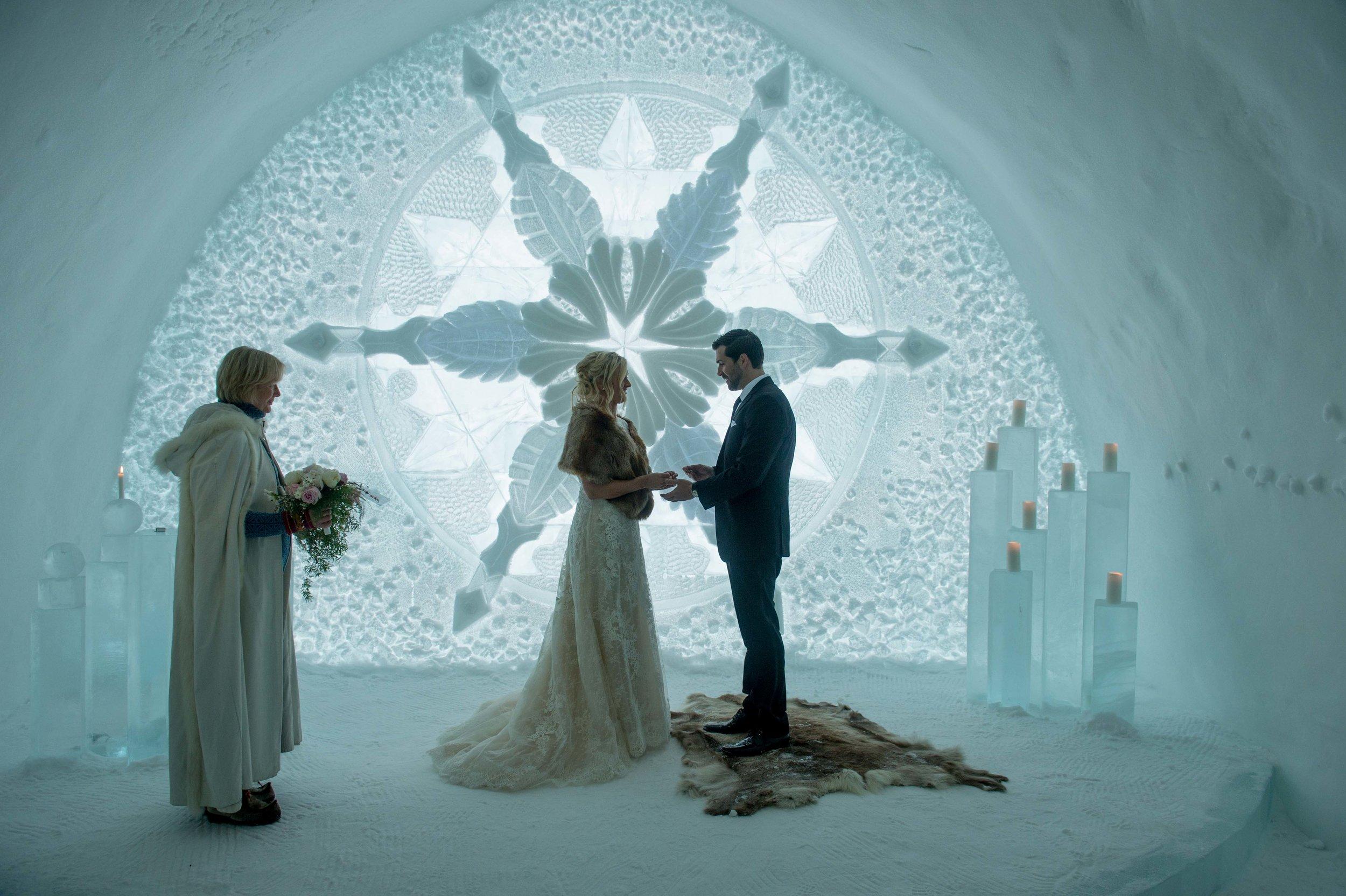 R&B - Wedding photos -ICEHOTEL by - Asaf Kliger (12 of 26).jpg