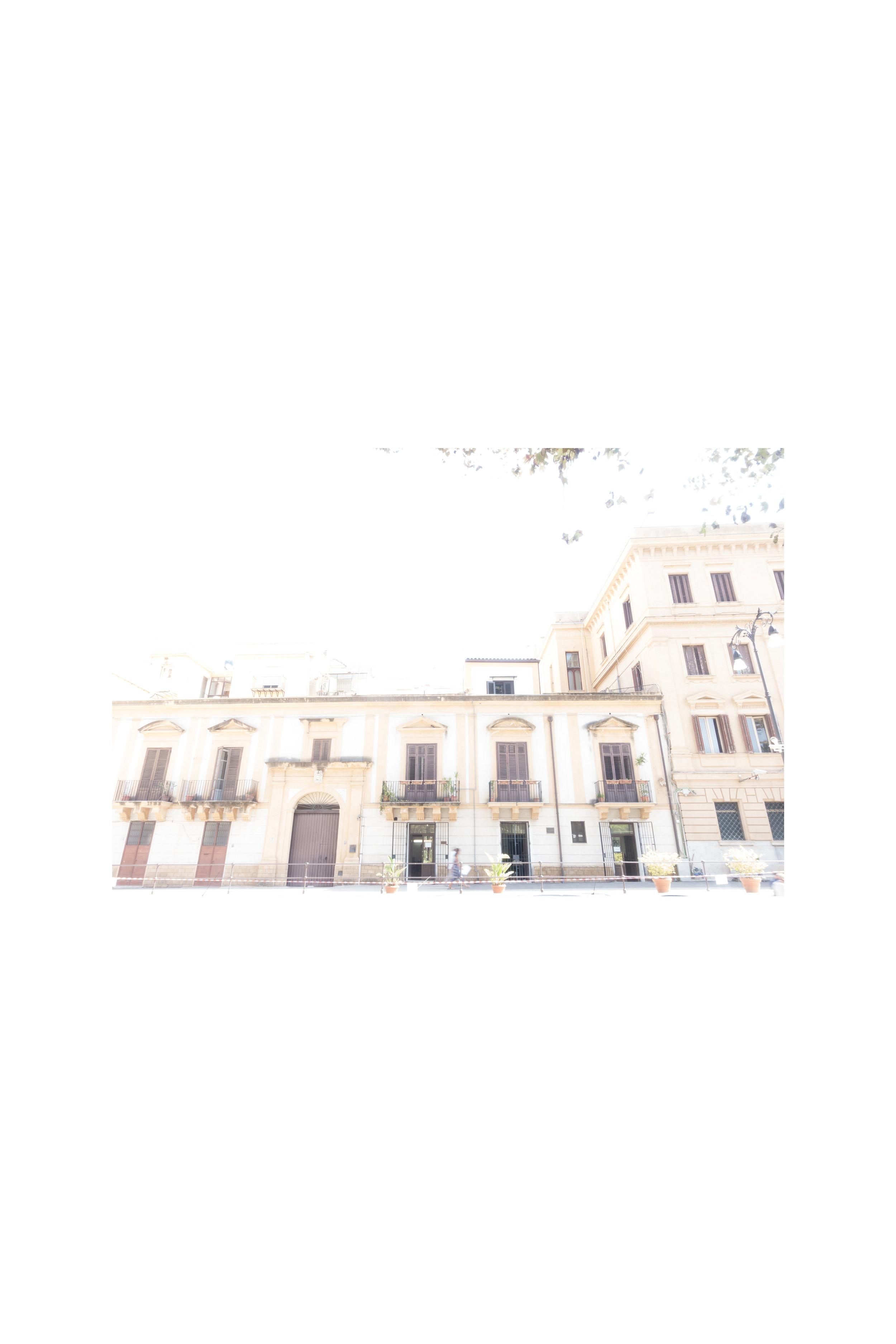Luogo di nascita, Piazza della Vittoria 8-foto su carta Titanium32x48cm.jpg
