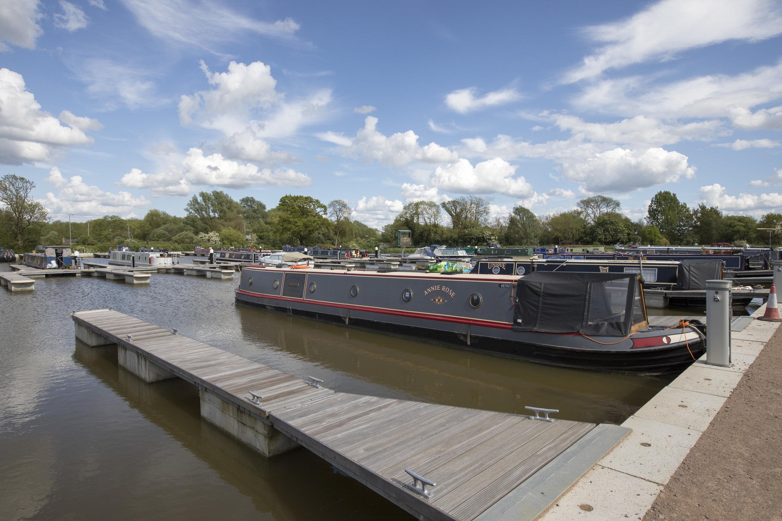 white_mills_marina_river_nene_Earls_Barton