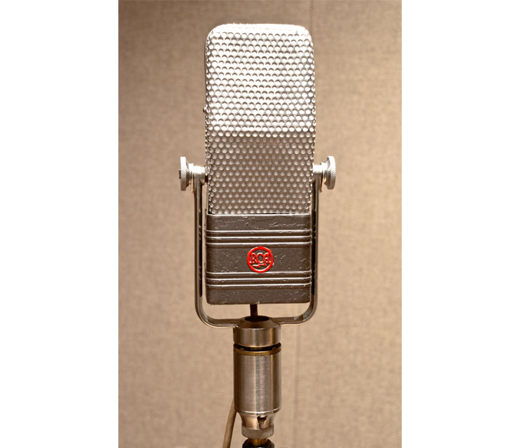 RCA-DX44.jpg