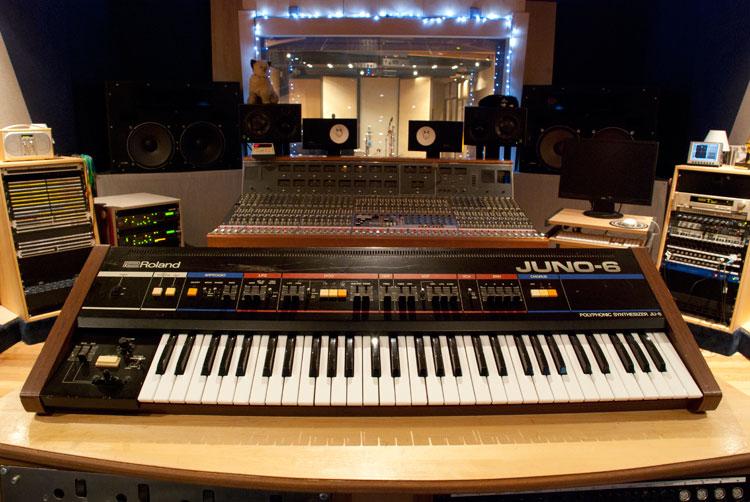 Roland-Juno-6.jpg