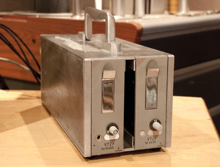 Telefunken-V72-1960s-Tube-mic-pres.jpg