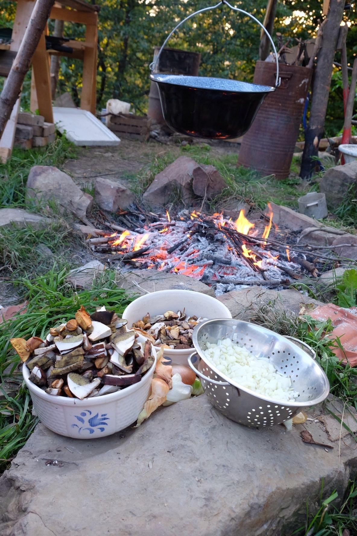 Préparation du Goulah sur le feu