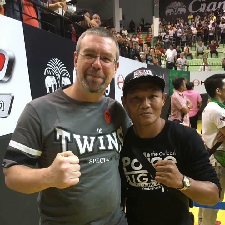 Chris with the great Saenchai.