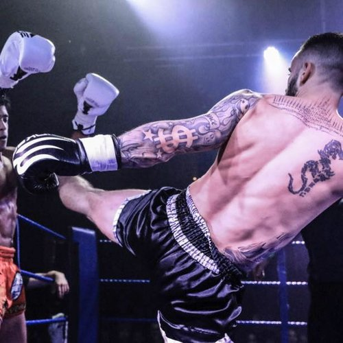 Bradley Kemp fighting at the Road to MTGP show in London