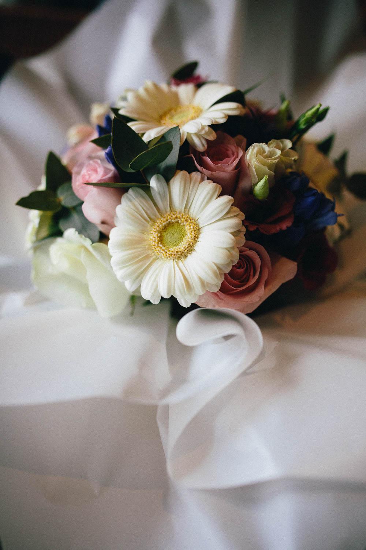 Shireburn Arms Wedding Photography-6.jpg