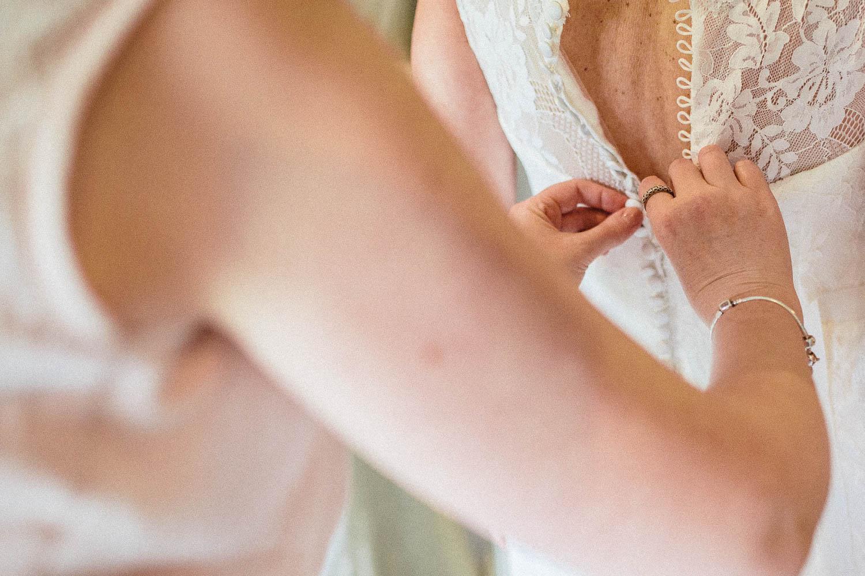 Shireburn Arms Wedding Photography-11.jpg