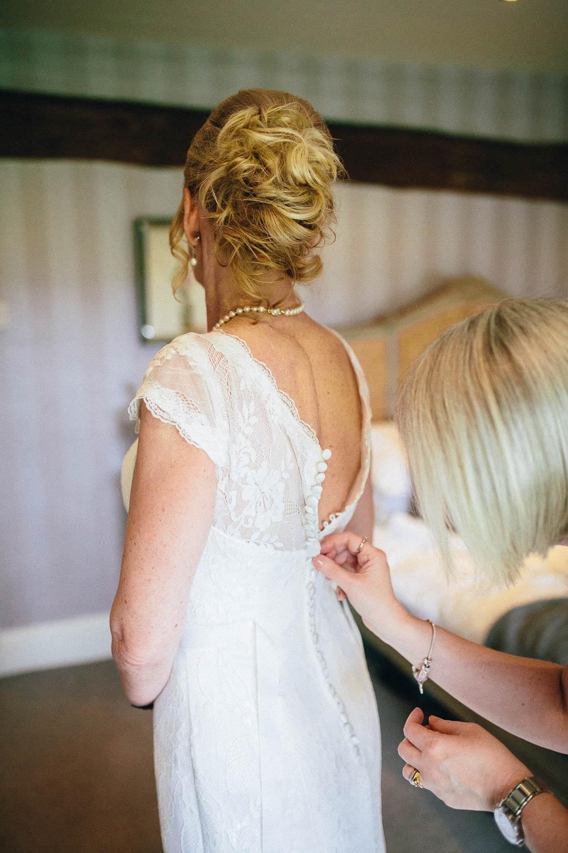 Shireburn Arms Wedding Photography-12.jpg