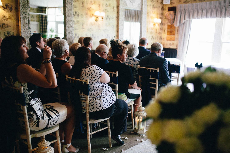 Shireburn Arms Wedding Photography-18.jpg