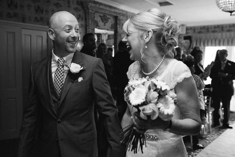 Shireburn Arms Wedding Photography-22.jpg