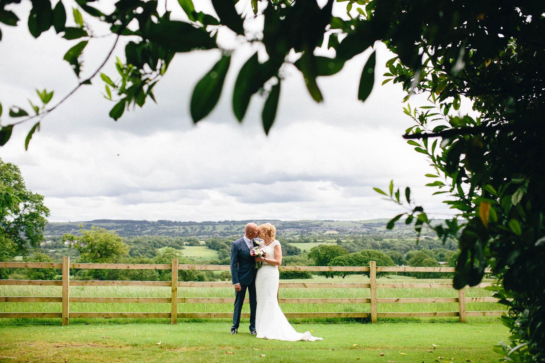 Shireburn Arms Wedding Photography-28.jpg