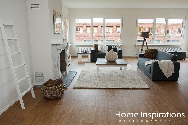 Frisse inrichting woonkamer appartement